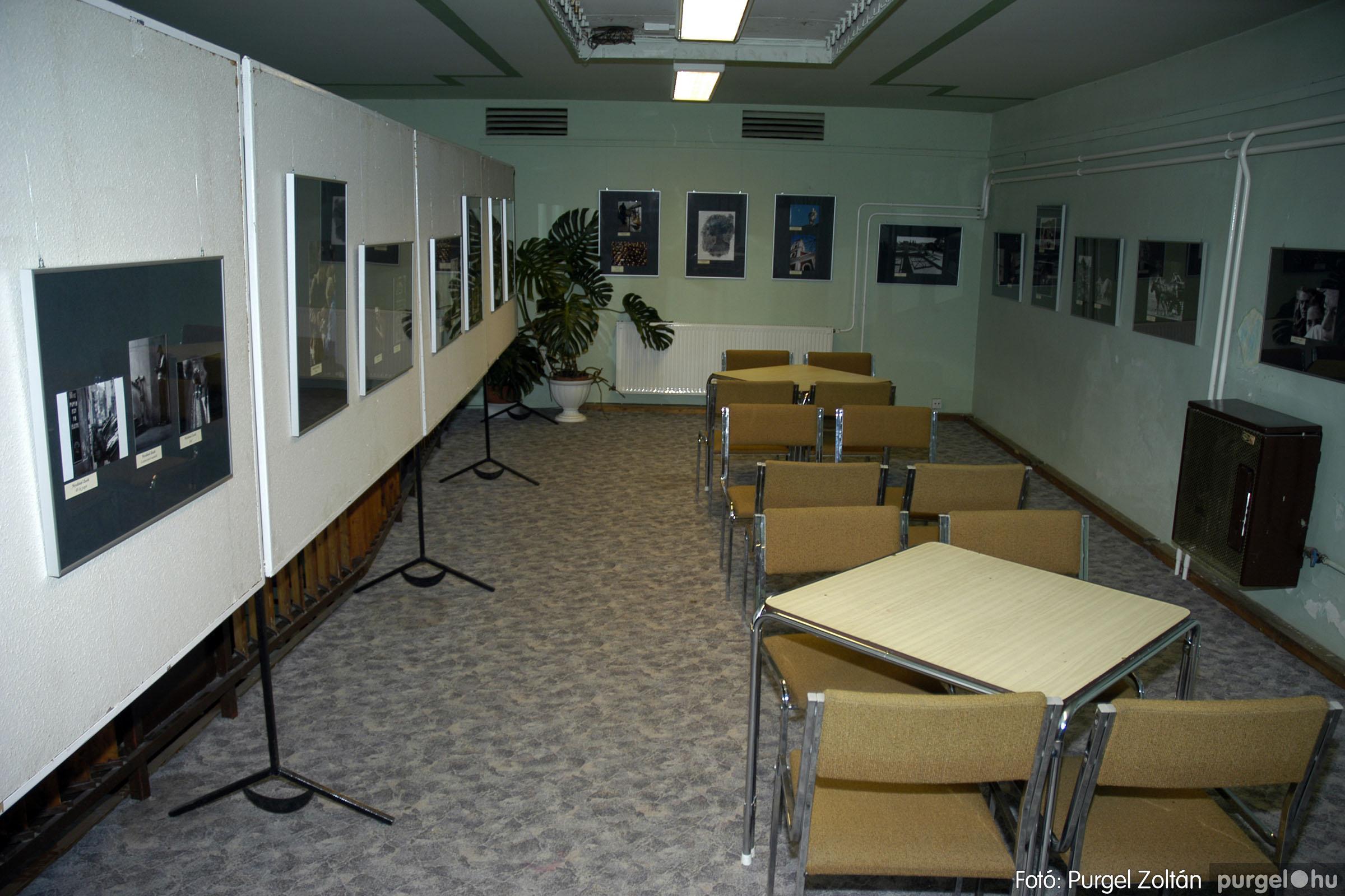 2005.05.03. 001 Hétköznapok fotópályázat kiállítása Mindszenten - Fotó:PURGEL ZOLTÁN© DSC_0001q.jpg