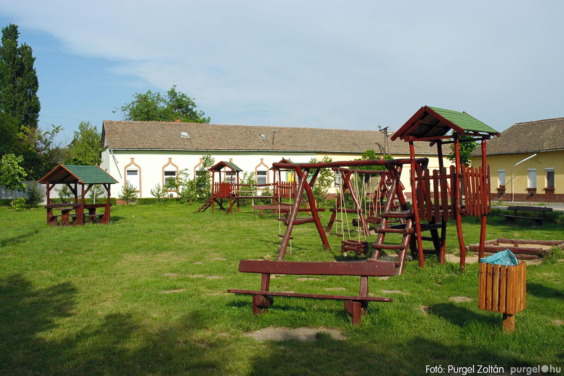 2005.05.30. 016 Tavaszi körkép: babaház, játszótér, Kórógy-tó - Fotó:PURGEL ZOLTÁN© DSC_0293q.jpg