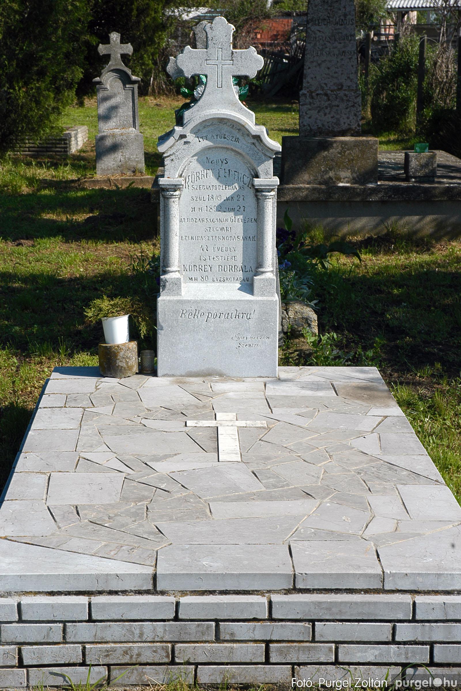 2005.05.12. 011 Barangolás a szegvári temetőben - Fotó:PURGEL ZOLTÁN© DSC_0011q.jpg