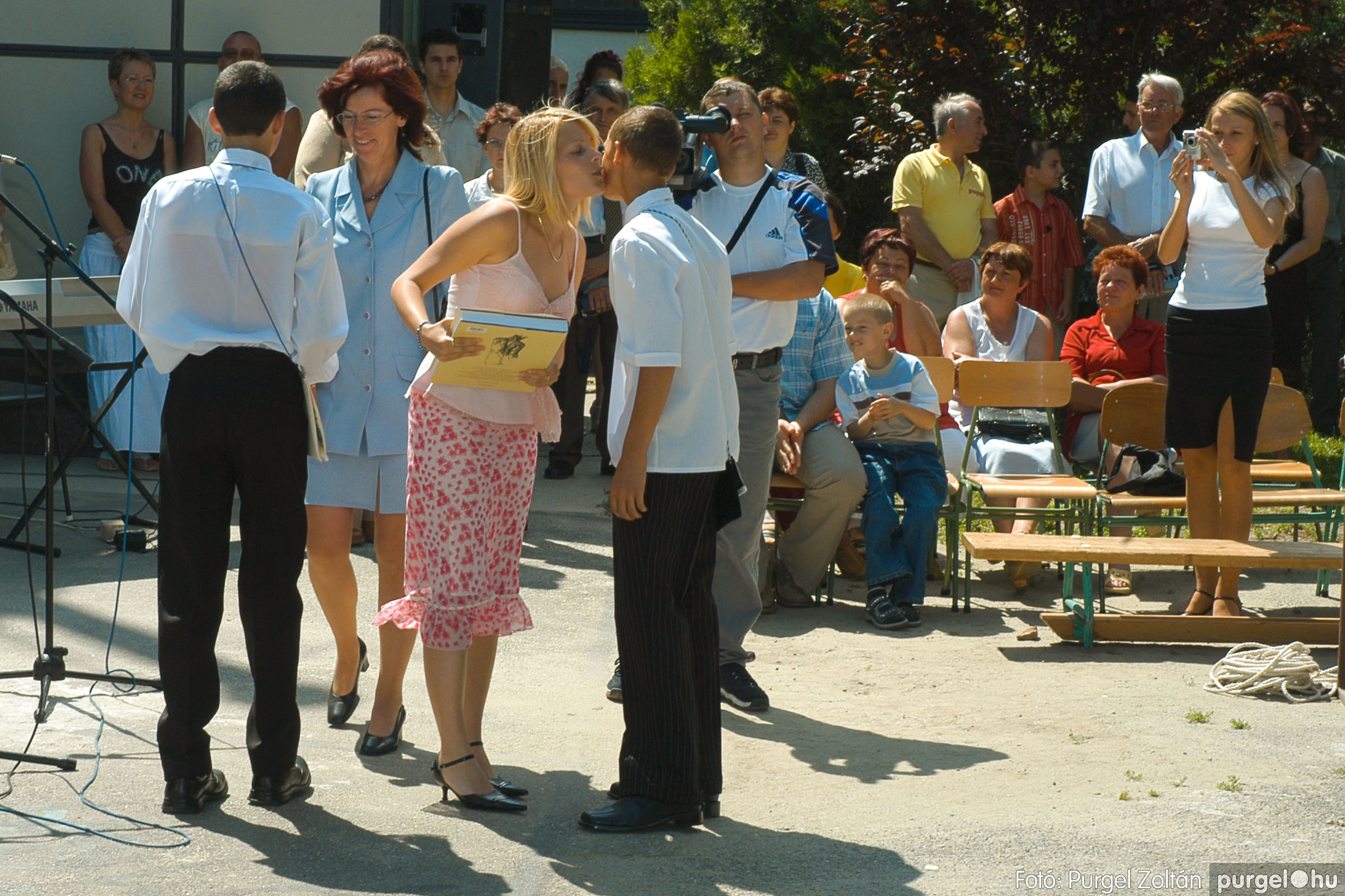 2005.06.18. 054 Forray Máté Általános Iskola ballagás 2005. - Fotó:PURGEL ZOLTÁN© DSC_0073q.jpg