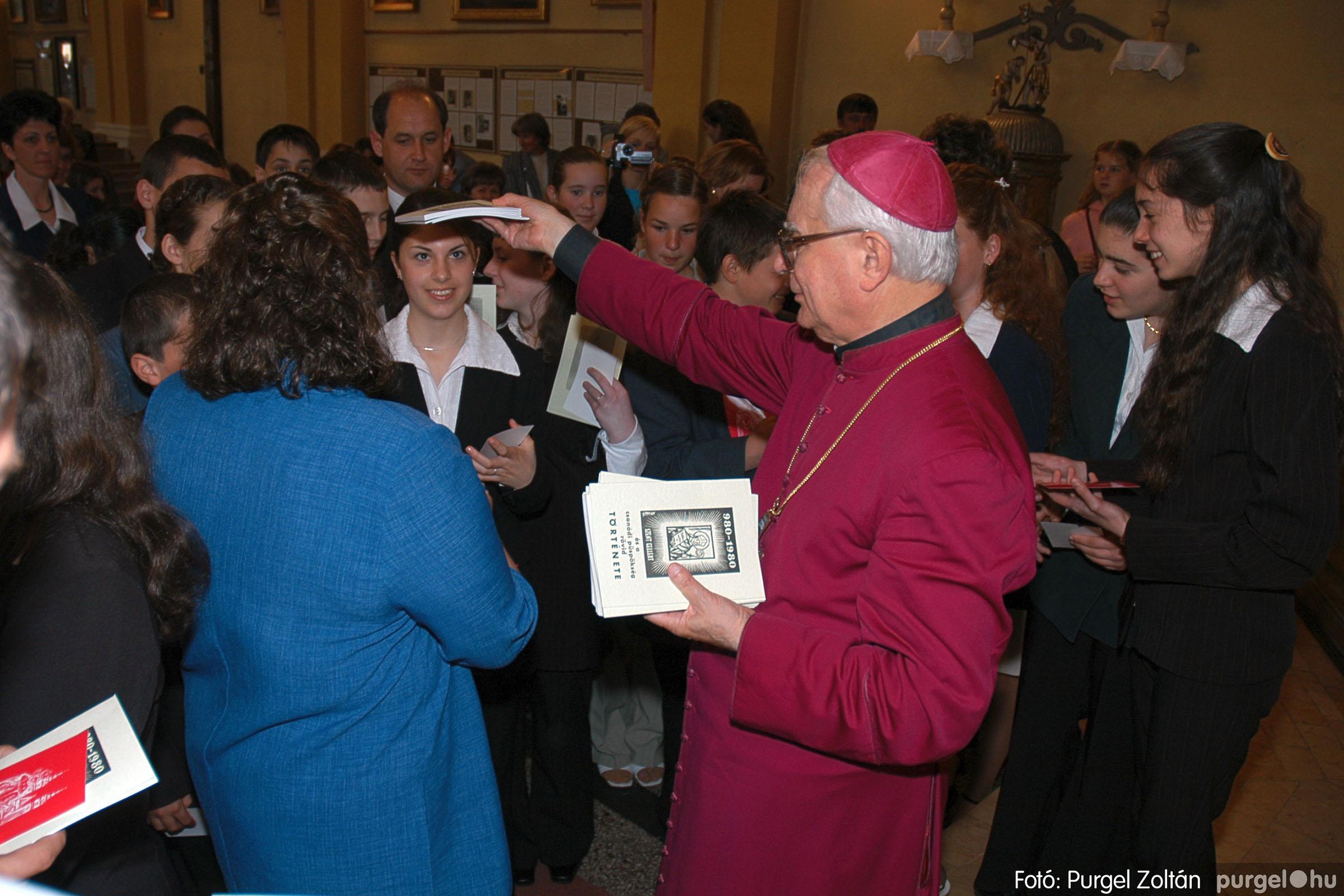 2005.05.15. 036 Kisboldogasszony templom bérmálkozás - Fotó:PURGEL ZOLTÁN© DSC_0044q.jpg