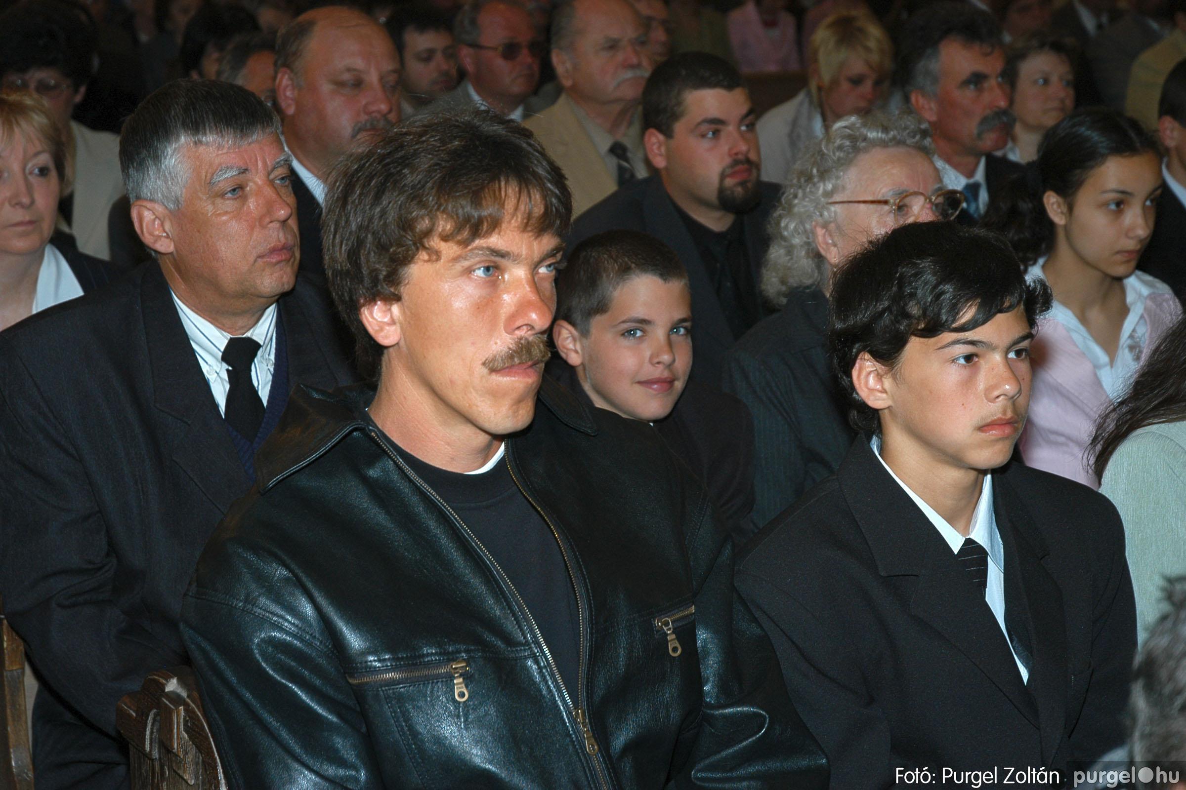 2005.05.15. 012 Kisboldogasszony templom bérmálkozás - Fotó:PURGEL ZOLTÁN© DSC_0015q.jpg