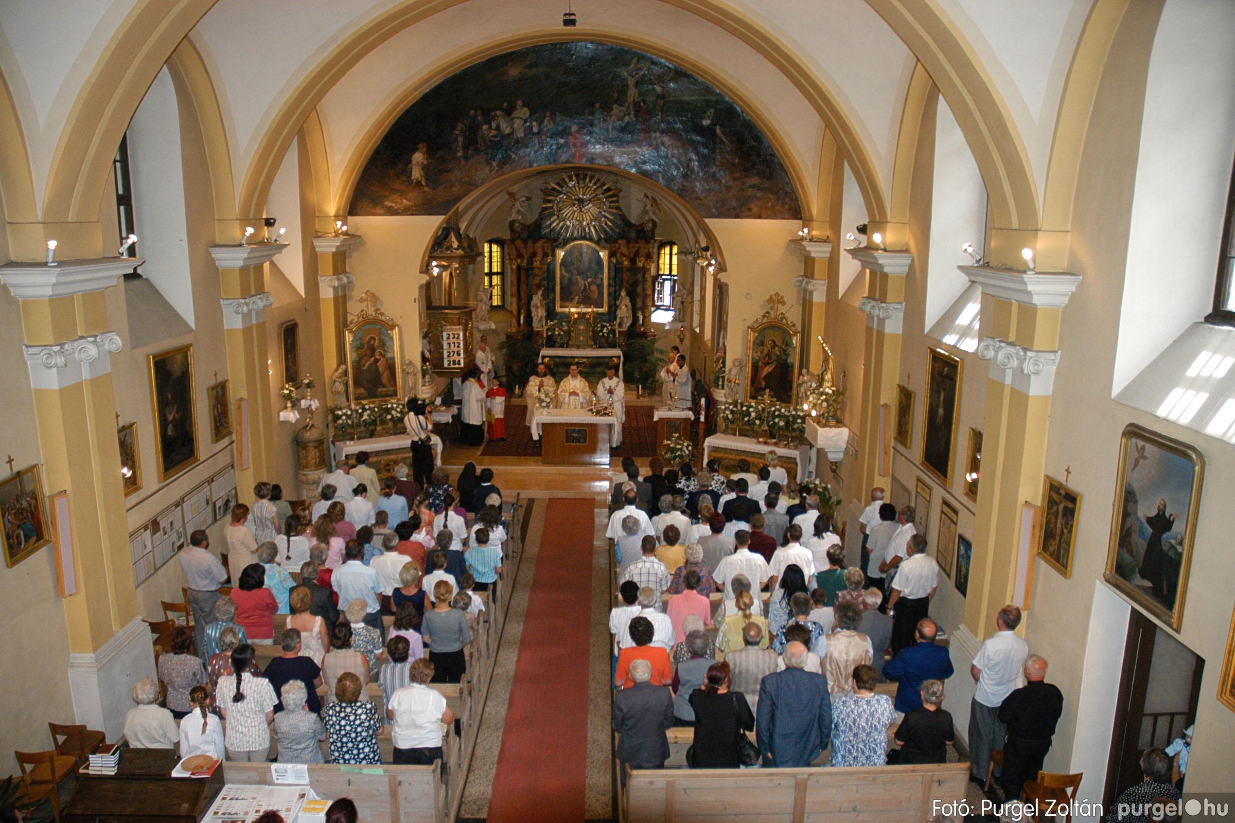 2005.06.25. 029 Kisboldogasszony templom ezüstmise, újmise - Fotó:PURGEL ZOLTÁN© DSC_0053q.jpg