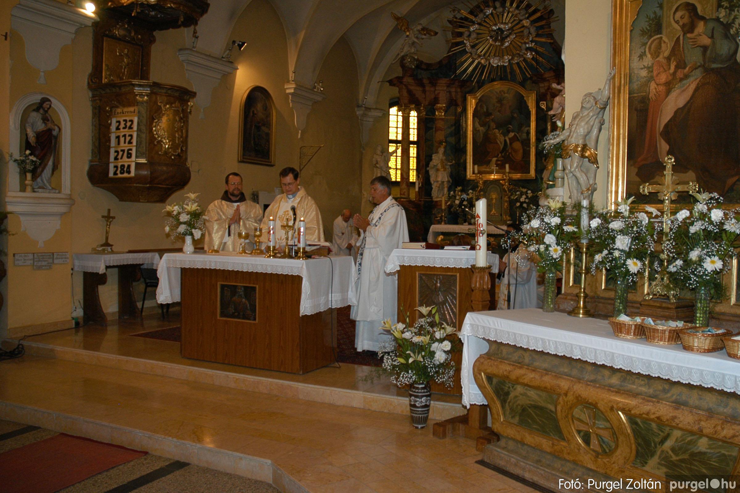 2005.06.25. 016 Kisboldogasszony templom ezüstmise, újmise - Fotó:PURGEL ZOLTÁN© DSC_0022q.jpg