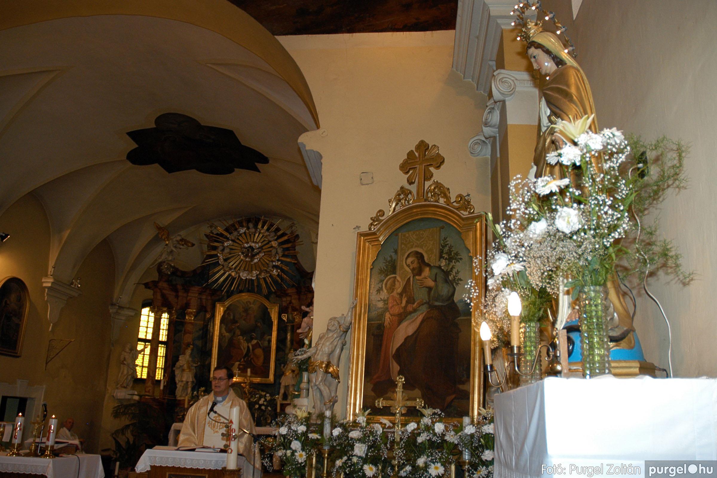 2005.06.25. 013 Kisboldogasszony templom ezüstmise, újmise - Fotó:PURGEL ZOLTÁN© DSC_0016q.jpg