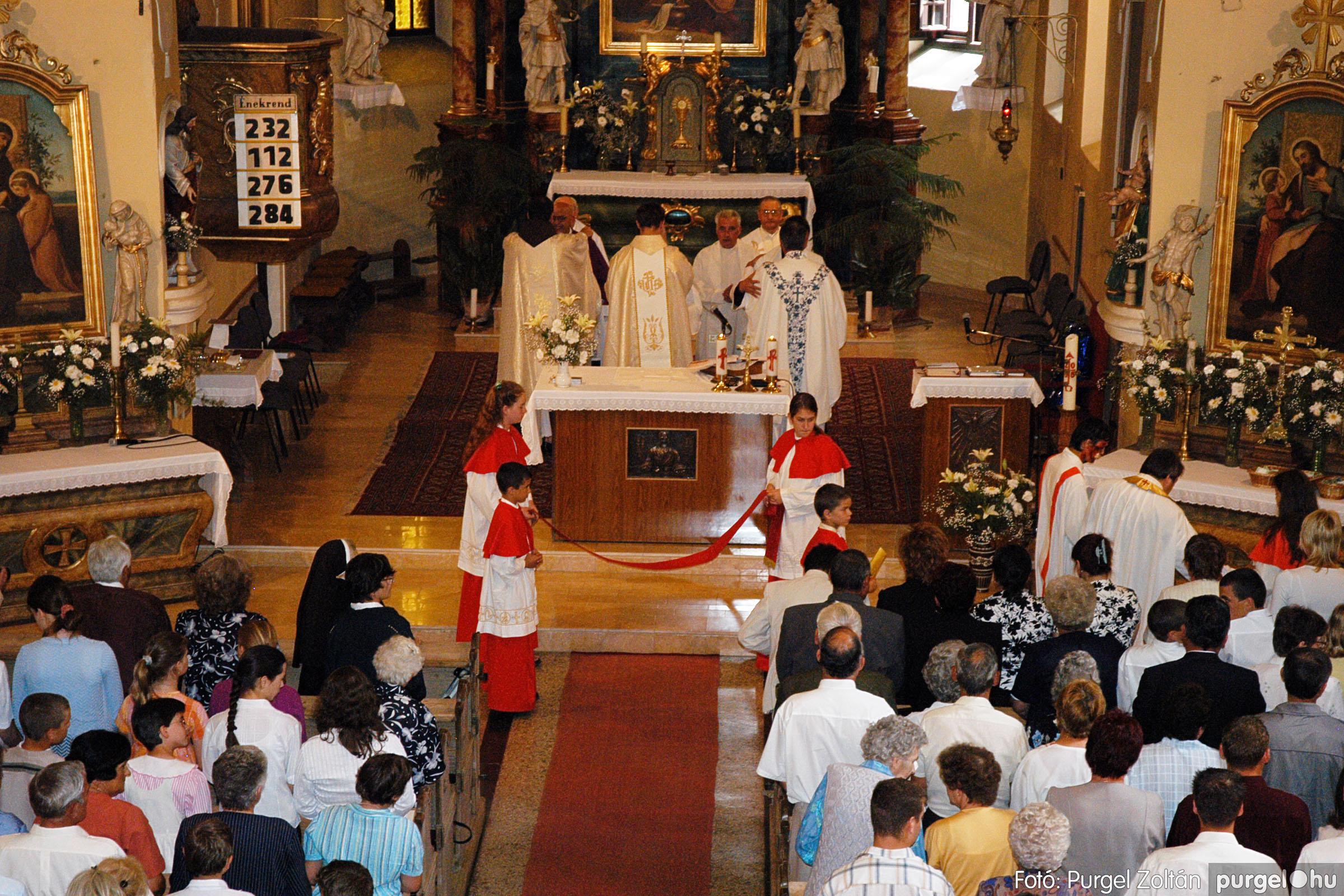 2005.06.25. 031 Kisboldogasszony templom ezüstmise, újmise - Fotó:PURGEL ZOLTÁN© DSC_0055q.jpg