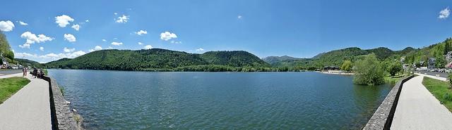 Lac Chambon   . . .