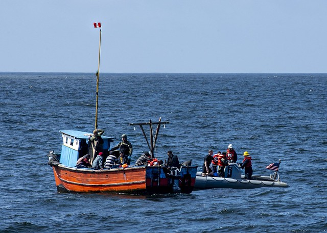 U.S. Sailors provide aid to vessel in distress