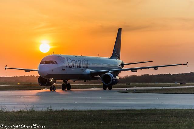OnurAir TC-OBY Sunrise at HAJ 24072019