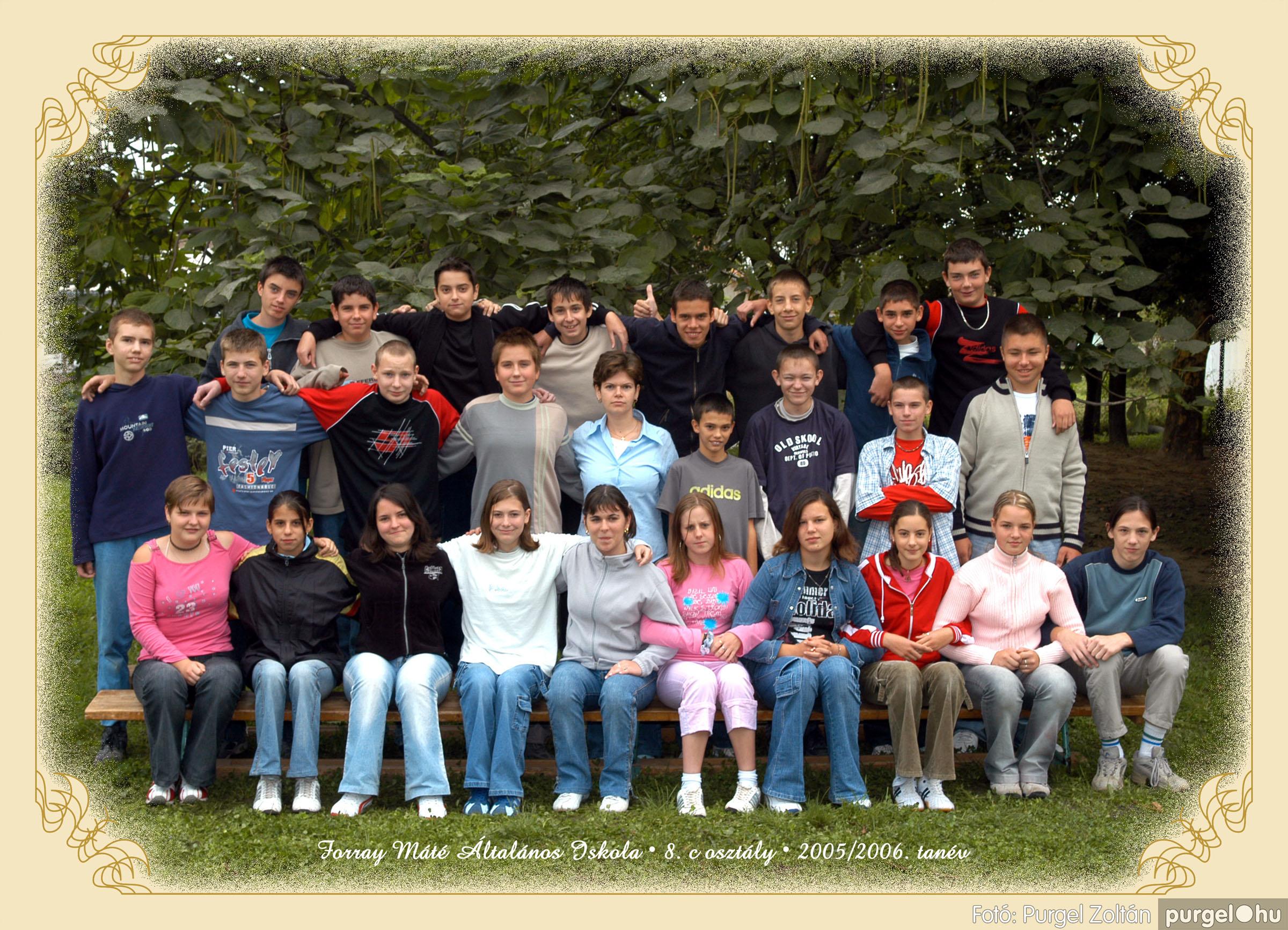 2005.09.21-10.06. 030 Forray Máté Általános Iskola osztályképek 2005. - Fotók:PURGEL ZOLTÁN© 8cvidam.jpg