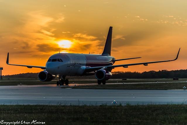 Wizz Air Sunrise at HAJ 26072019