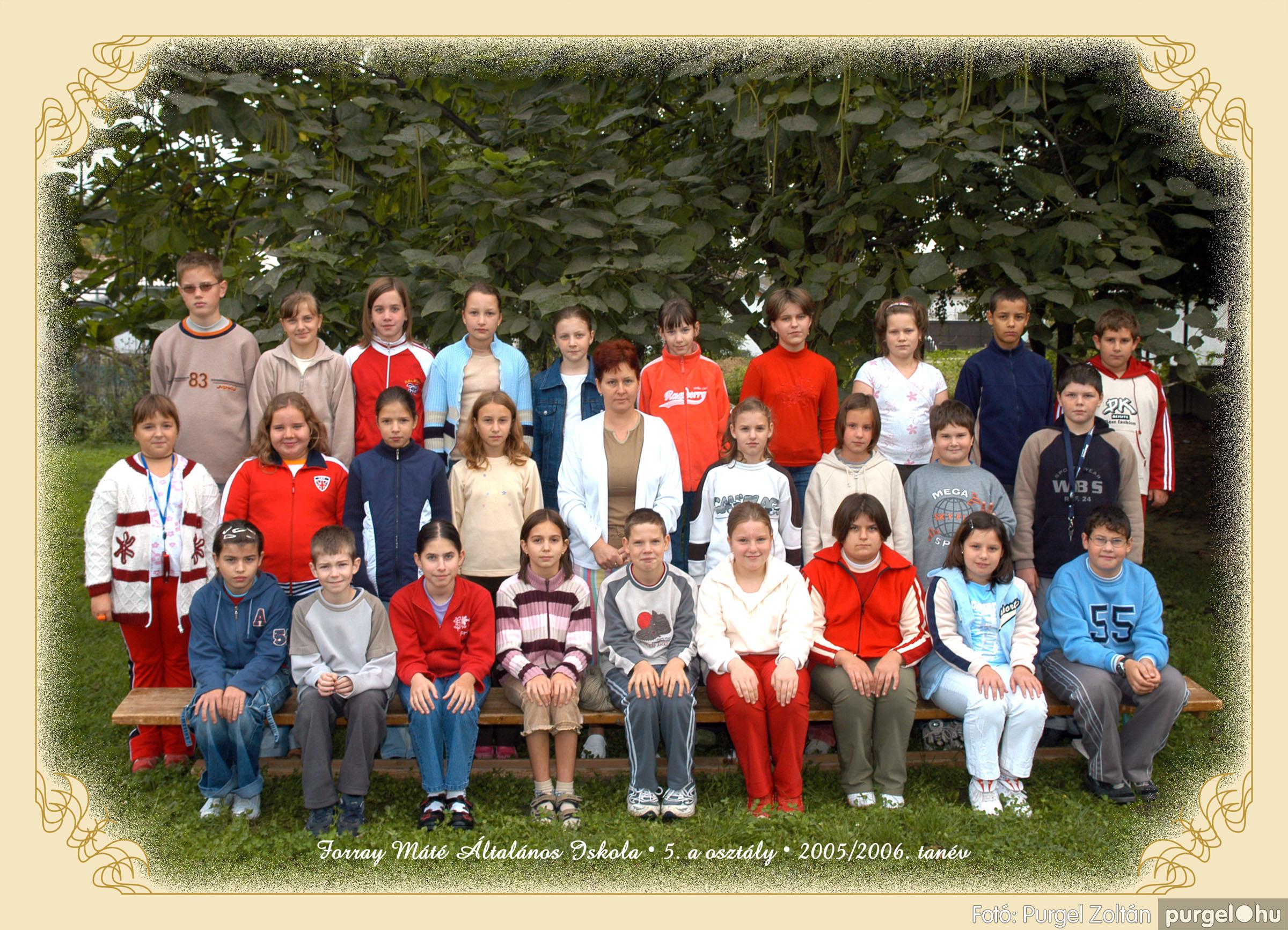 2005.09.21-10.06. 015 Forray Máté Általános Iskola osztályképek 2005. - Fotók:PURGEL ZOLTÁN© 5akomoly.jpg