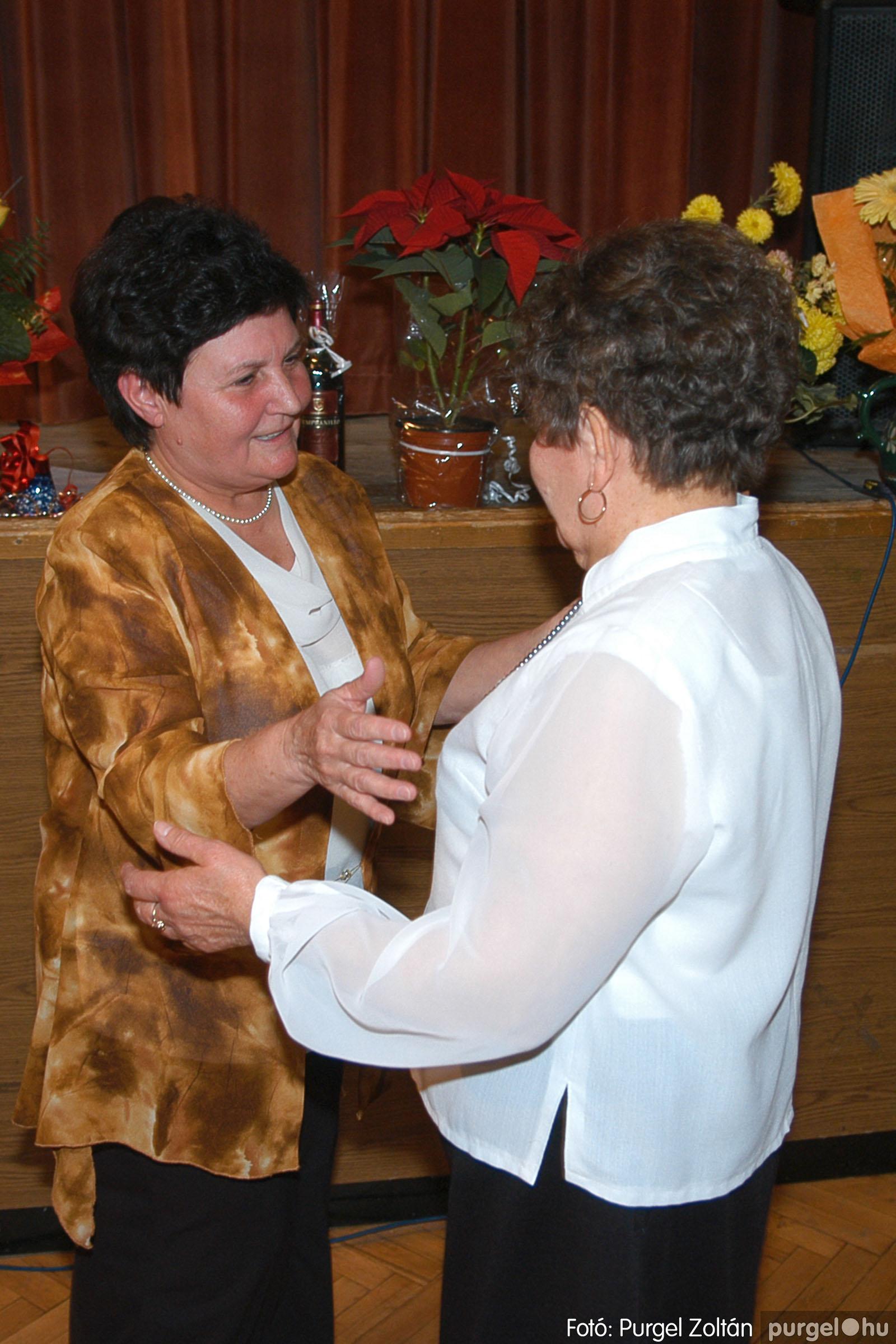 2005.11.12. 013 15 éves a Szép Öregkor Nyugdíjas Klub - Fotó:PURGEL ZOLTÁN© DSC_0371q.jpg