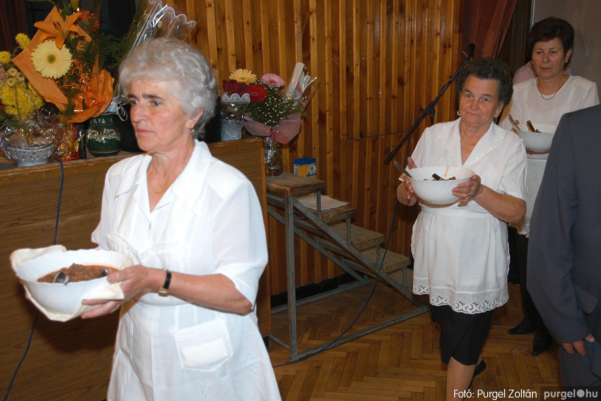 2005.11.12. 111 15 éves a Szép Öregkor Nyugdíjas Klub - Fotó:PURGEL ZOLTÁN© DSC_0491q.jpg