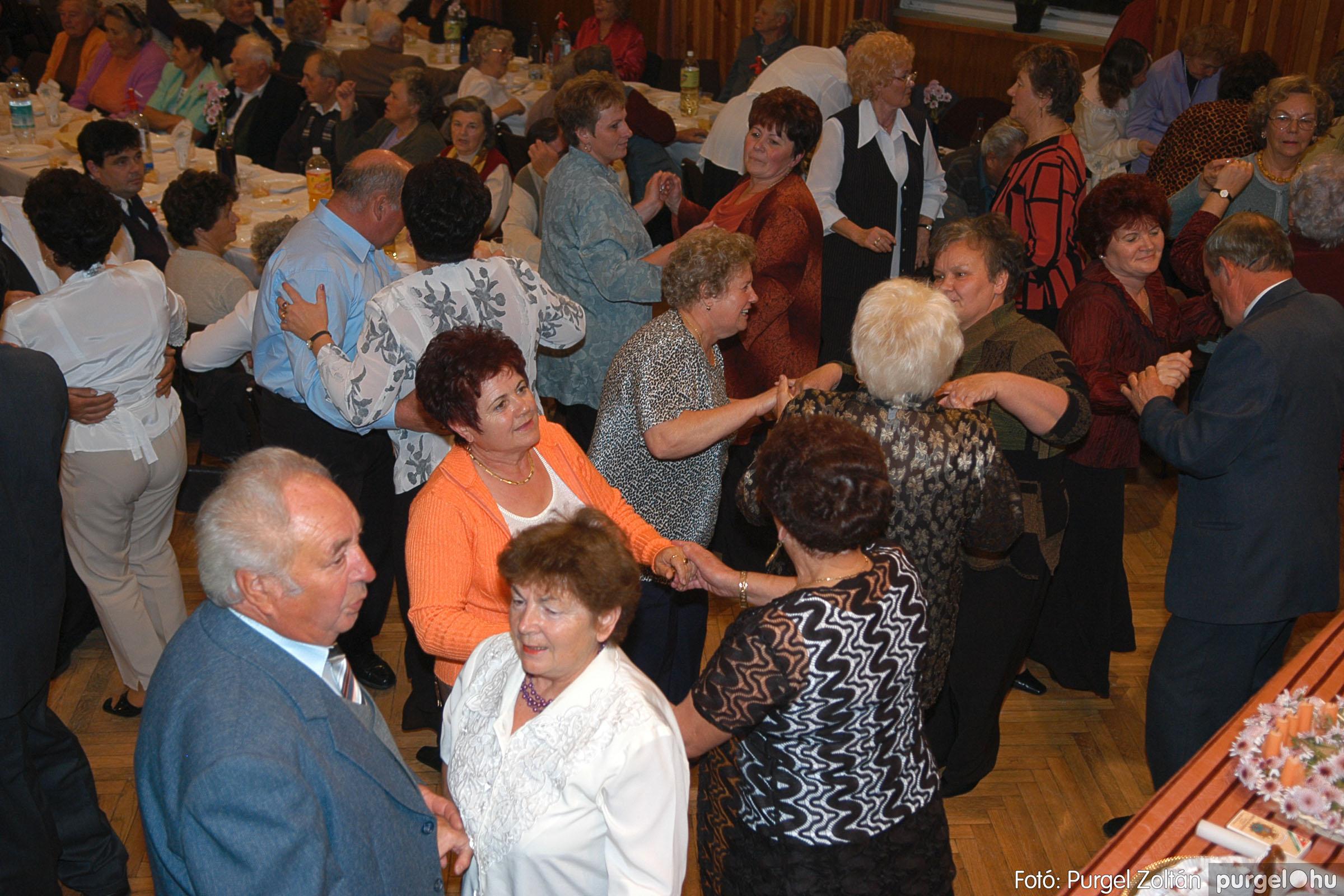 2005.11.12. 109 15 éves a Szép Öregkor Nyugdíjas Klub - Fotó:PURGEL ZOLTÁN© DSC_0489q.jpg