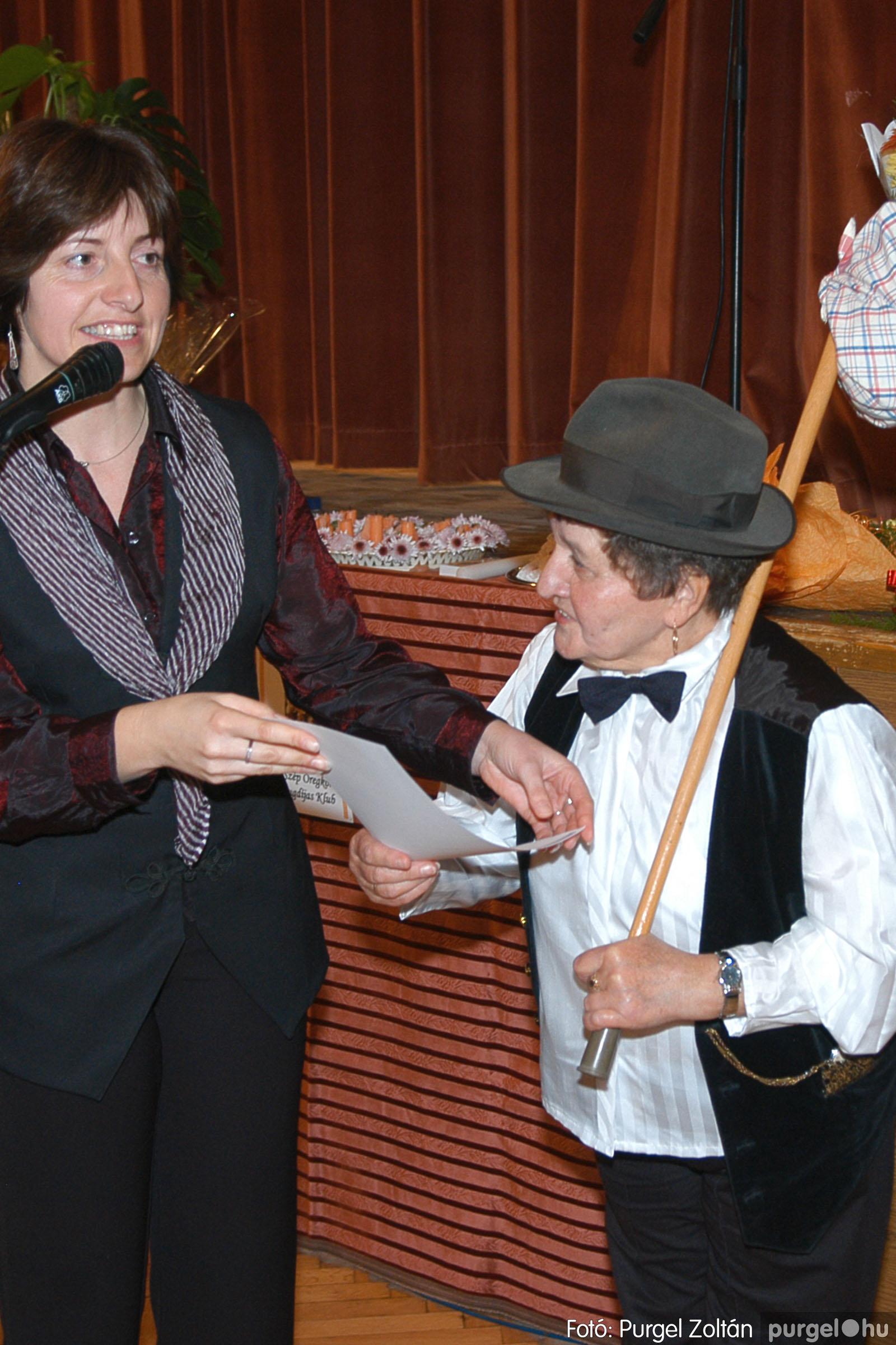 2005.11.12. 101 15 éves a Szép Öregkor Nyugdíjas Klub - Fotó:PURGEL ZOLTÁN© DSC_0476q.jpg
