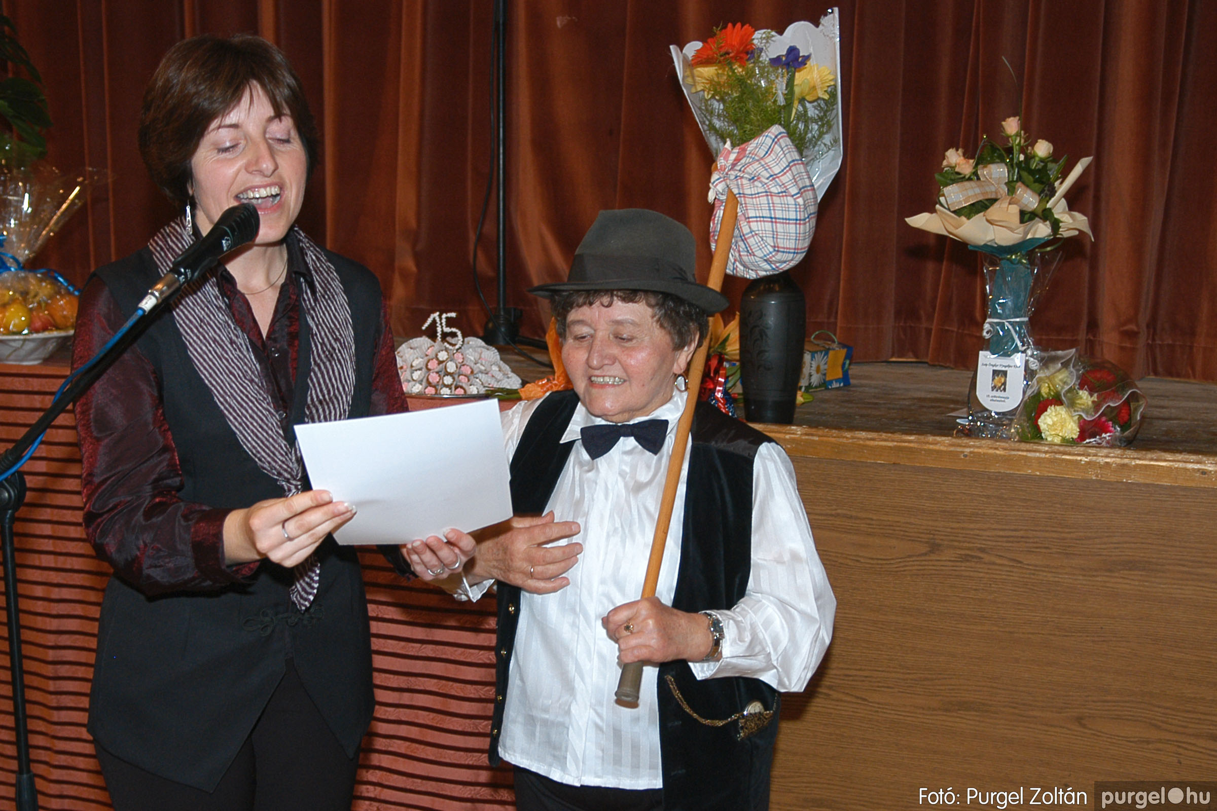 2005.11.12. 100 15 éves a Szép Öregkor Nyugdíjas Klub - Fotó:PURGEL ZOLTÁN© DSC_0475q.jpg