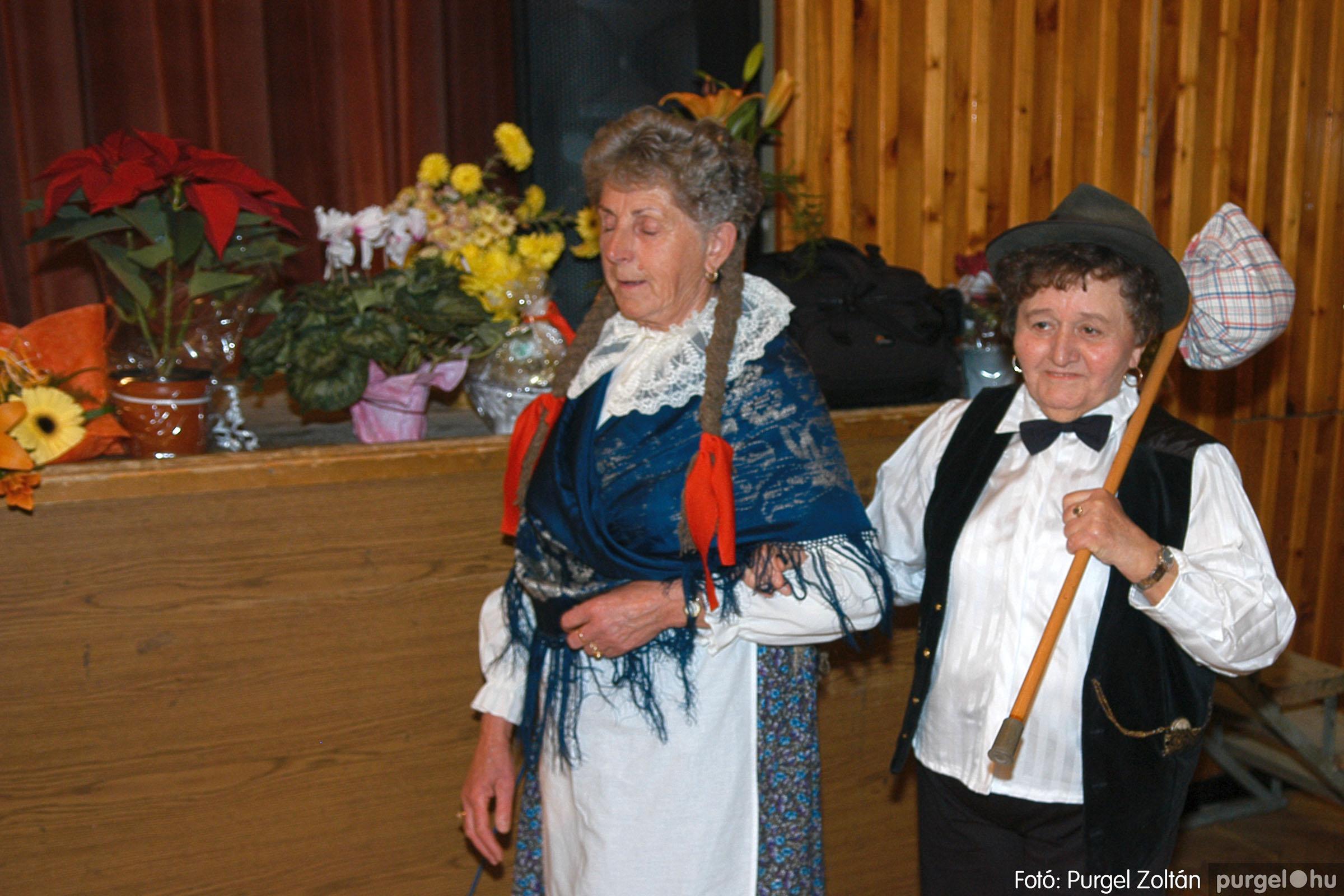 2005.11.12. 083 15 éves a Szép Öregkor Nyugdíjas Klub - Fotó:PURGEL ZOLTÁN© DSC_0454q.jpg