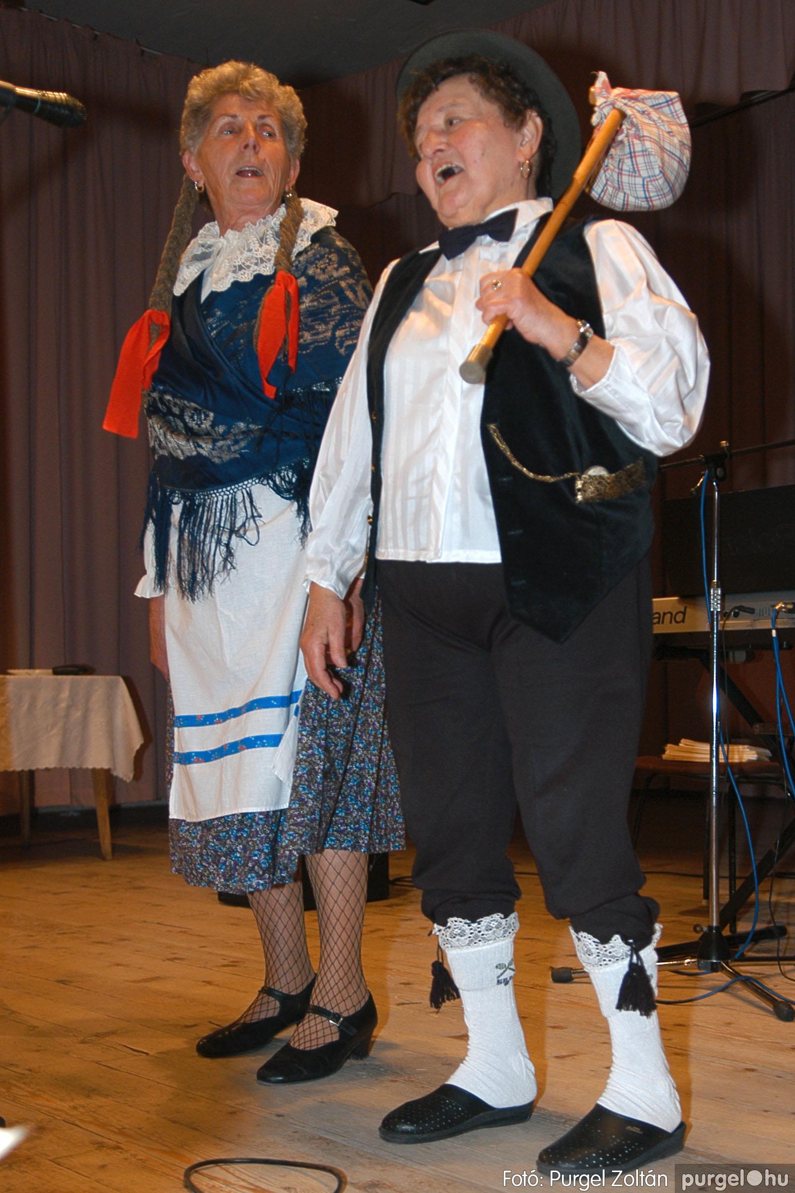 2005.11.12. 080 15 éves a Szép Öregkor Nyugdíjas Klub - Fotó:PURGEL ZOLTÁN© DSC_0451q.jpg