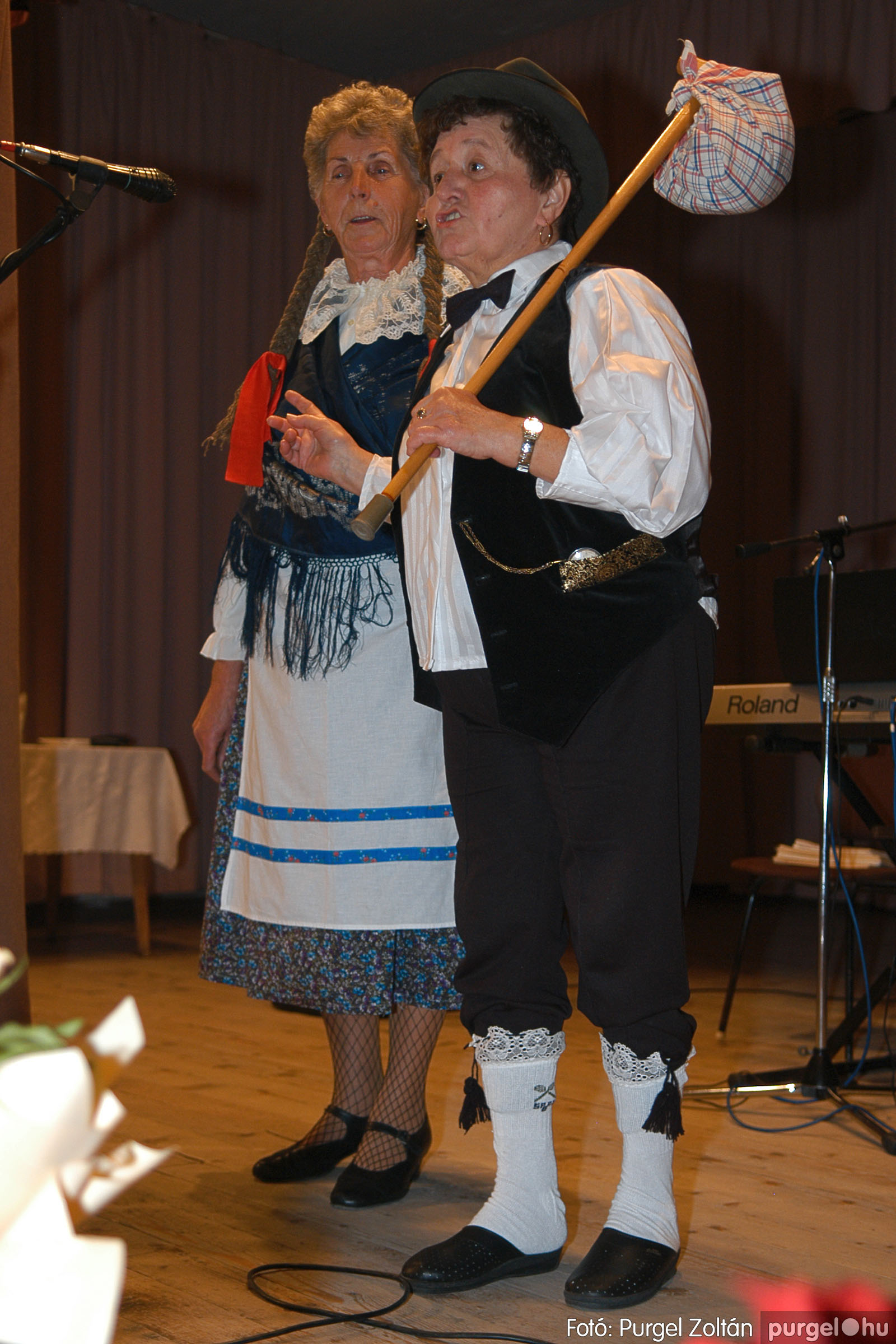 2005.11.12. 079 15 éves a Szép Öregkor Nyugdíjas Klub - Fotó:PURGEL ZOLTÁN© DSC_0450q.jpg