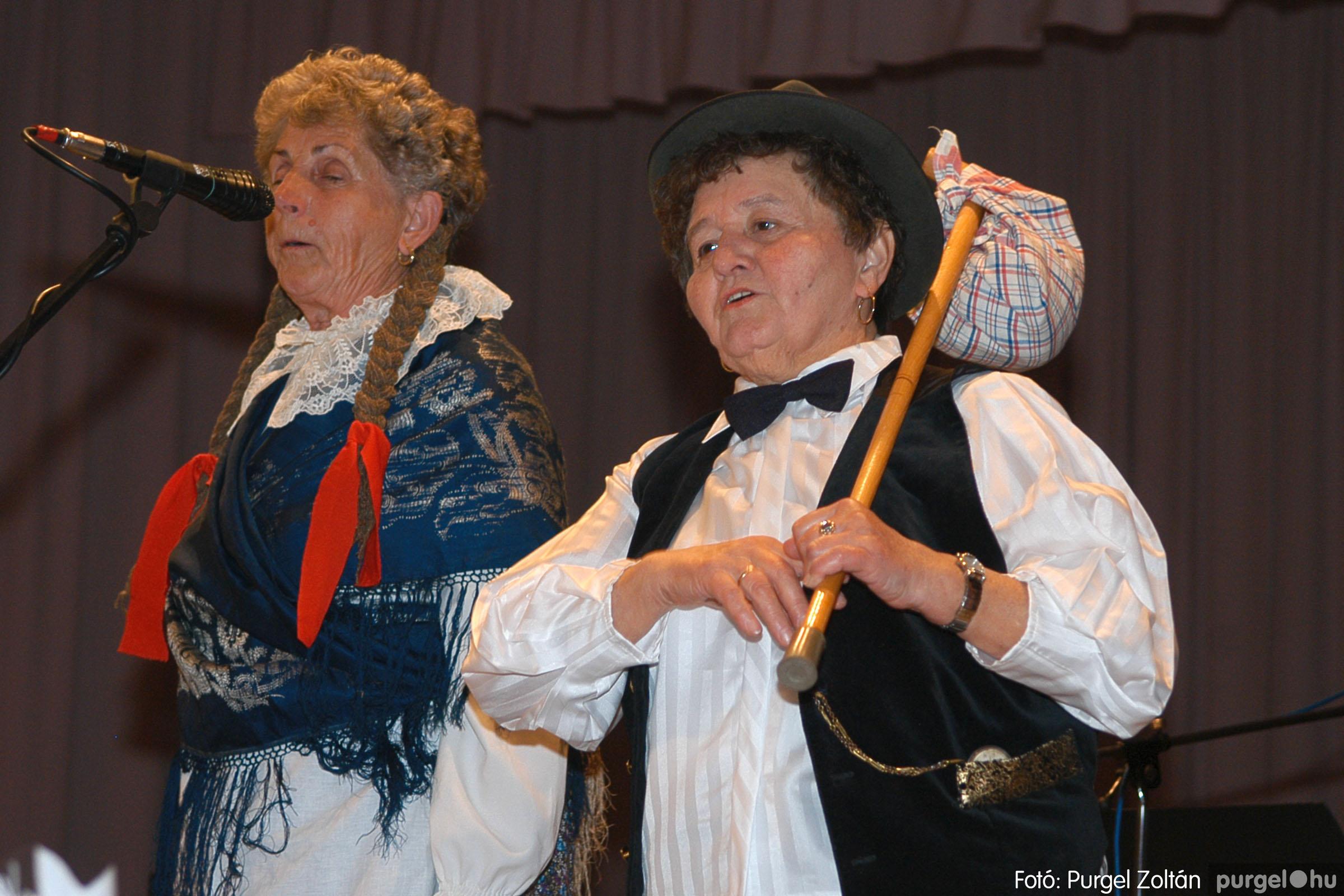 2005.11.12. 077 15 éves a Szép Öregkor Nyugdíjas Klub - Fotó:PURGEL ZOLTÁN© DSC_0448q.jpg