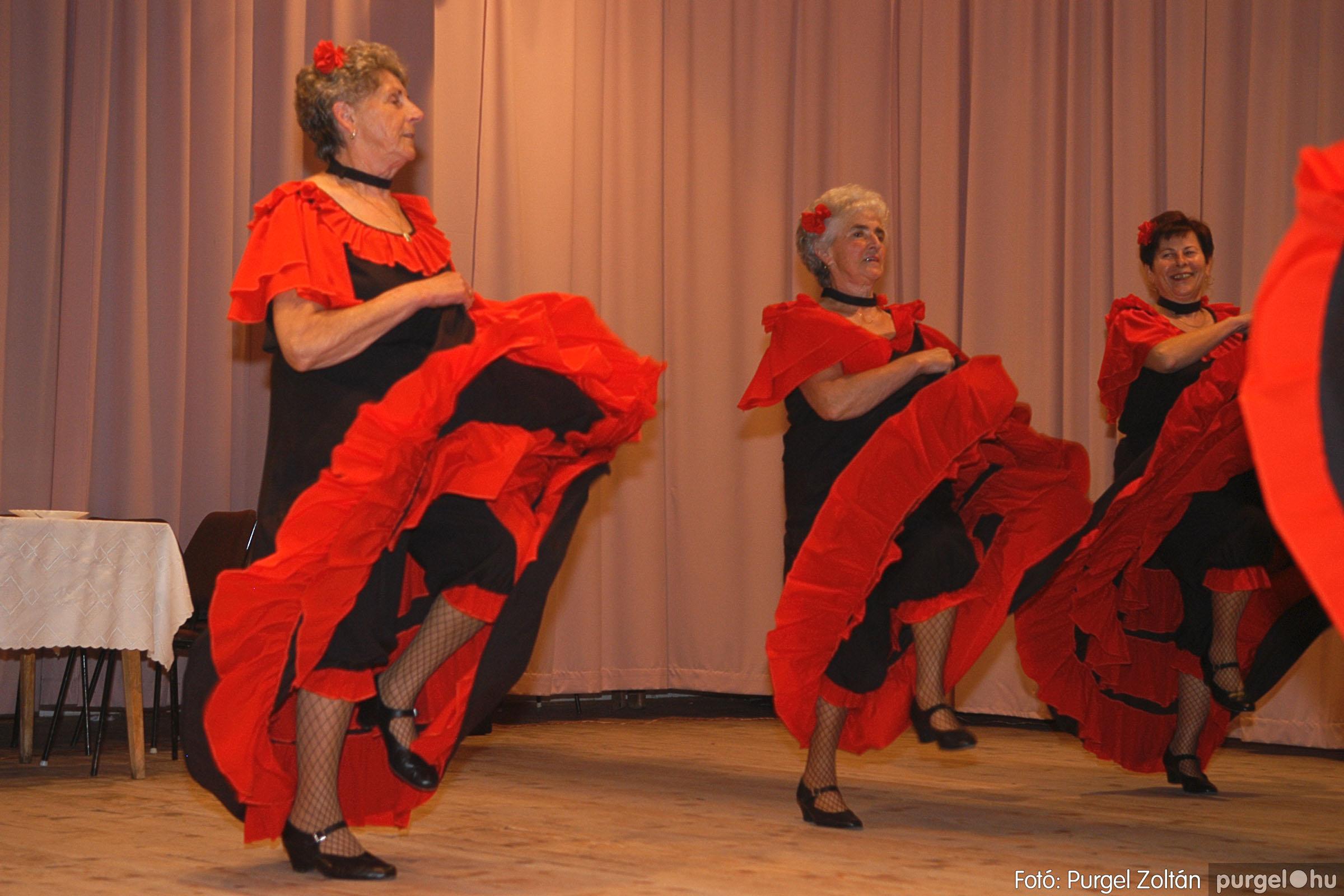 2005.11.12. 063 15 éves a Szép Öregkor Nyugdíjas Klub - Fotó:PURGEL ZOLTÁN© DSC_0430q.jpg