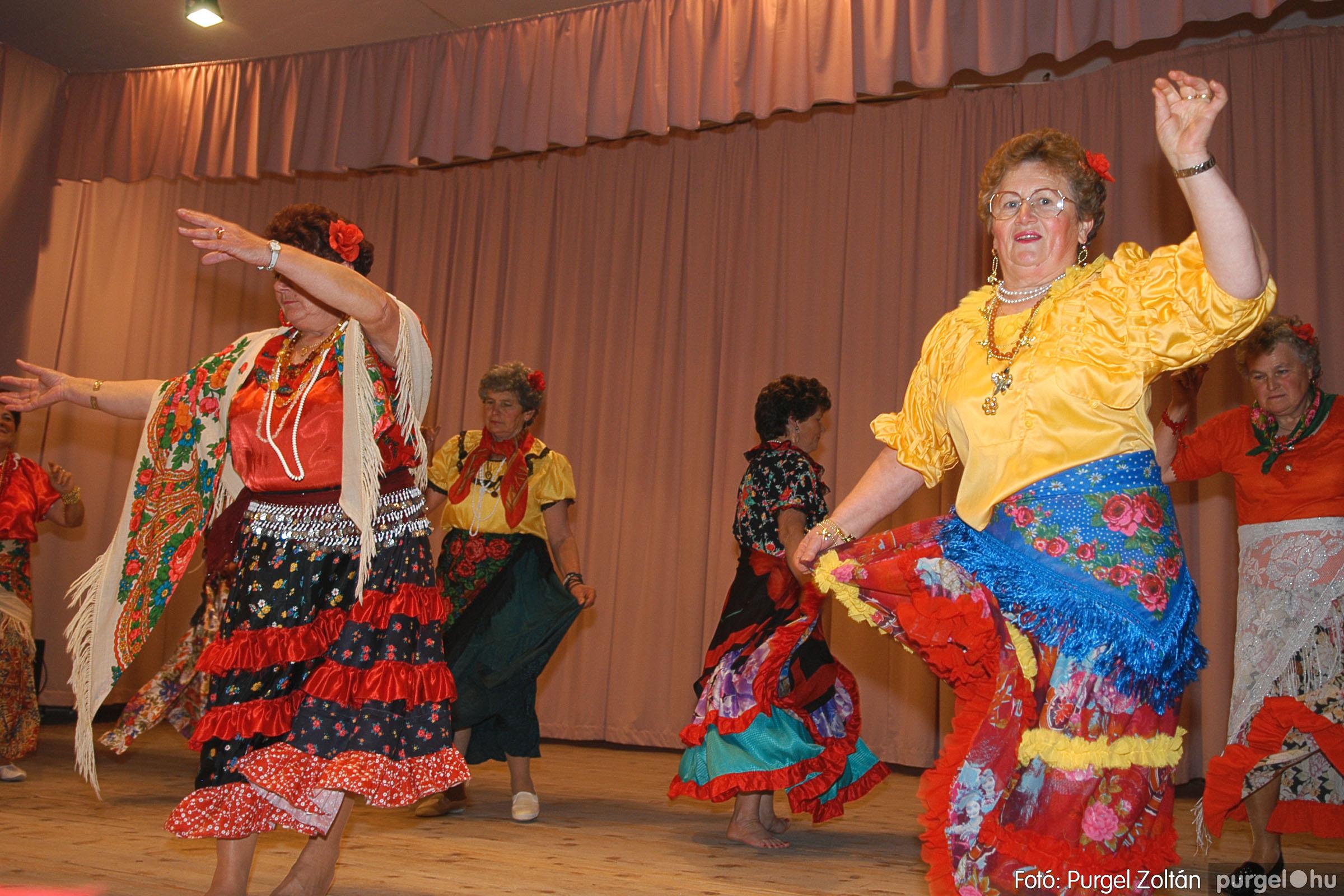 2005.11.12. 057 15 éves a Szép Öregkor Nyugdíjas Klub - Fotó:PURGEL ZOLTÁN© DSC_0423q.jpg