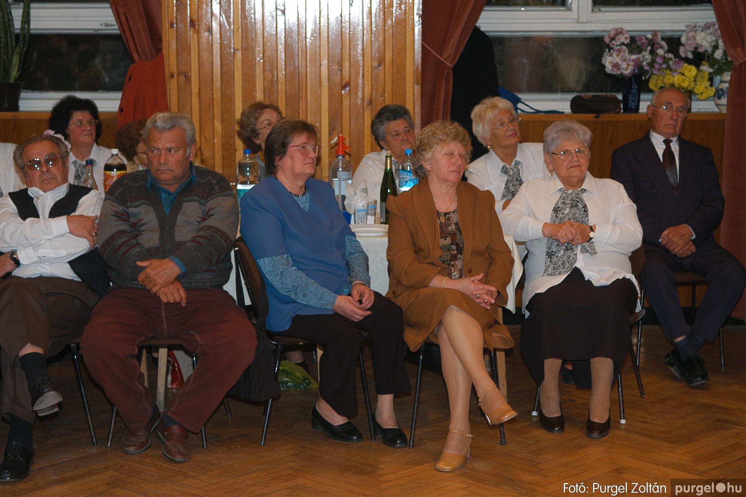 2005.11.12. 048 15 éves a Szép Öregkor Nyugdíjas Klub - Fotó:PURGEL ZOLTÁN© DSC_0412q.jpg