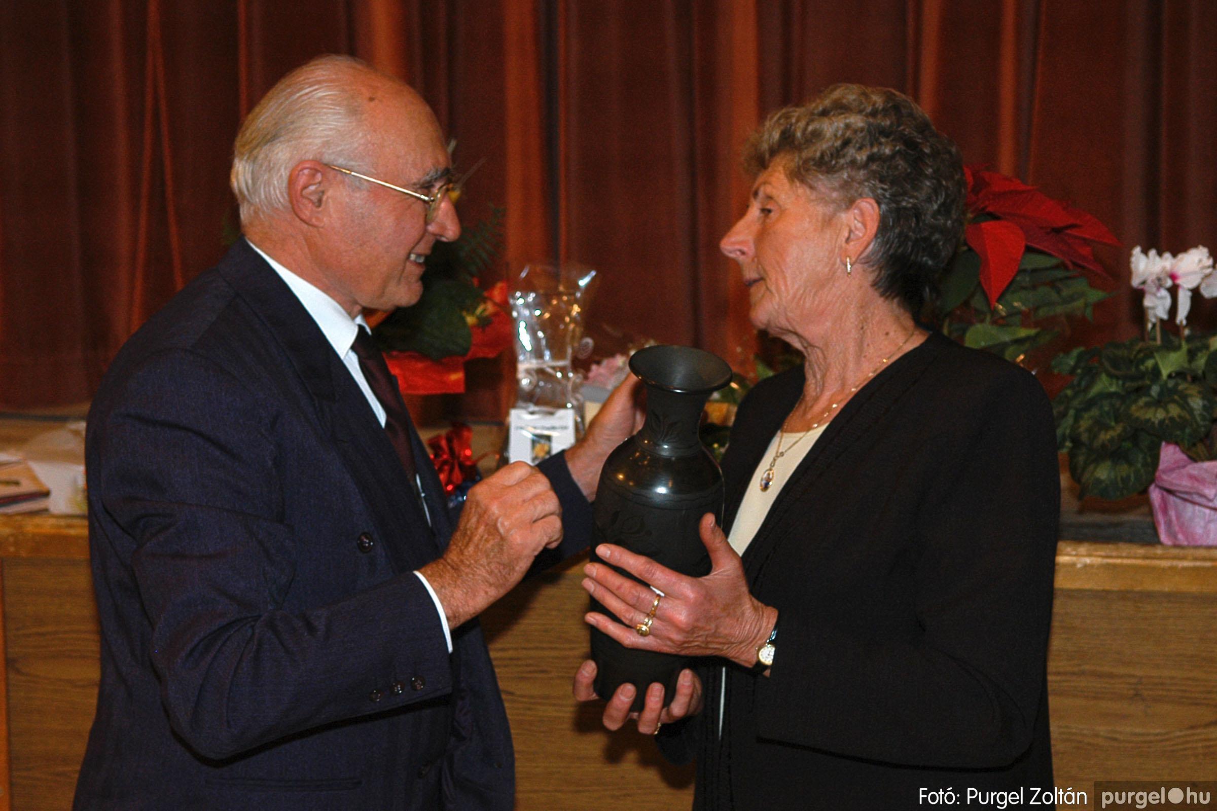 2005.11.12. 041 15 éves a Szép Öregkor Nyugdíjas Klub - Fotó:PURGEL ZOLTÁN© DSC_0404q.jpg