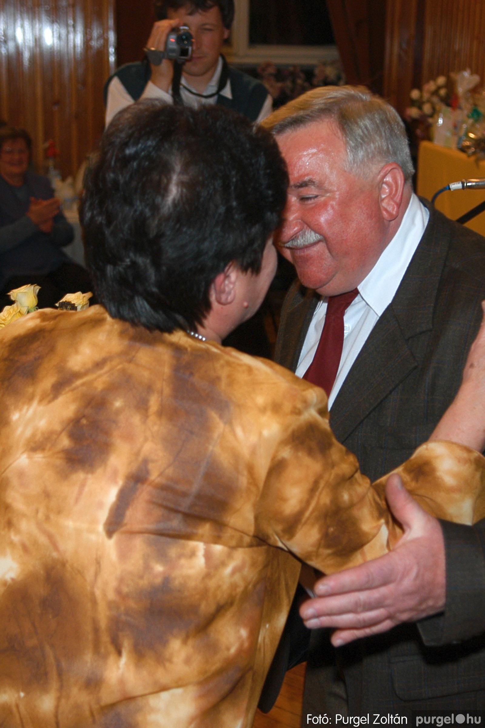 2005.11.12. 020 15 éves a Szép Öregkor Nyugdíjas Klub - Fotó:PURGEL ZOLTÁN© DSC_0381q.jpg