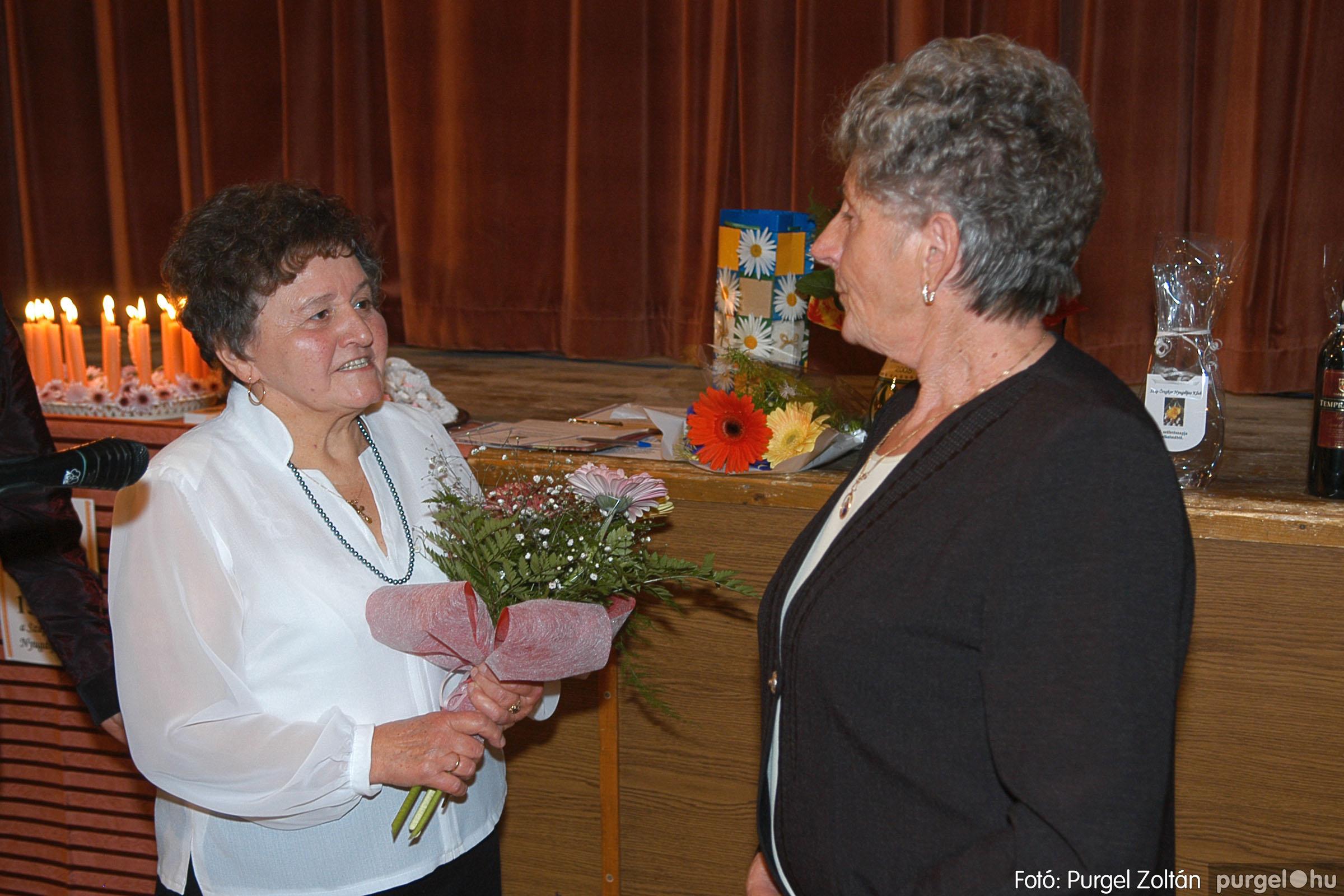 2005.11.12. 015 15 éves a Szép Öregkor Nyugdíjas Klub - Fotó:PURGEL ZOLTÁN© DSC_0373q.jpg