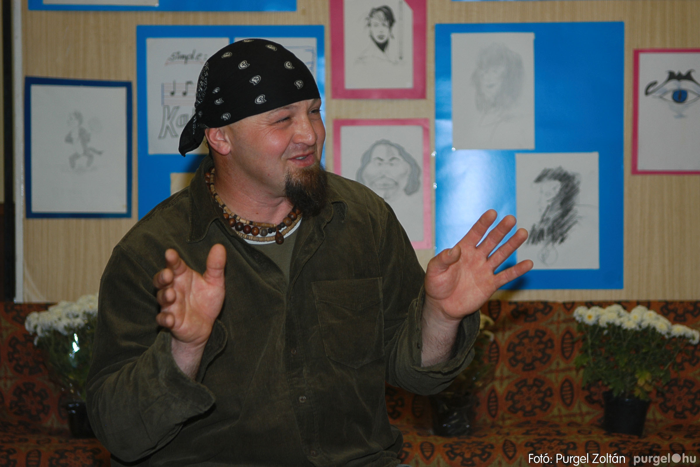 2005.11.07. 001 Káity Szilárd grafikus kiállítása - Fotó:PURGEL ZOLTÁN© DSC_0213q.jpg
