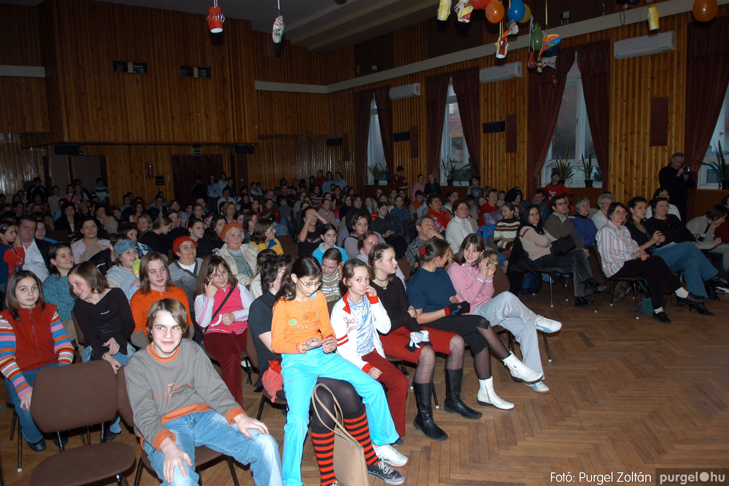 2006.02.17. 033 Forray Máté Általános Iskola farsang 2006. - felső tagozatosok - Fotó:PURGEL ZOLTÁN© DSC_0046q.jpg