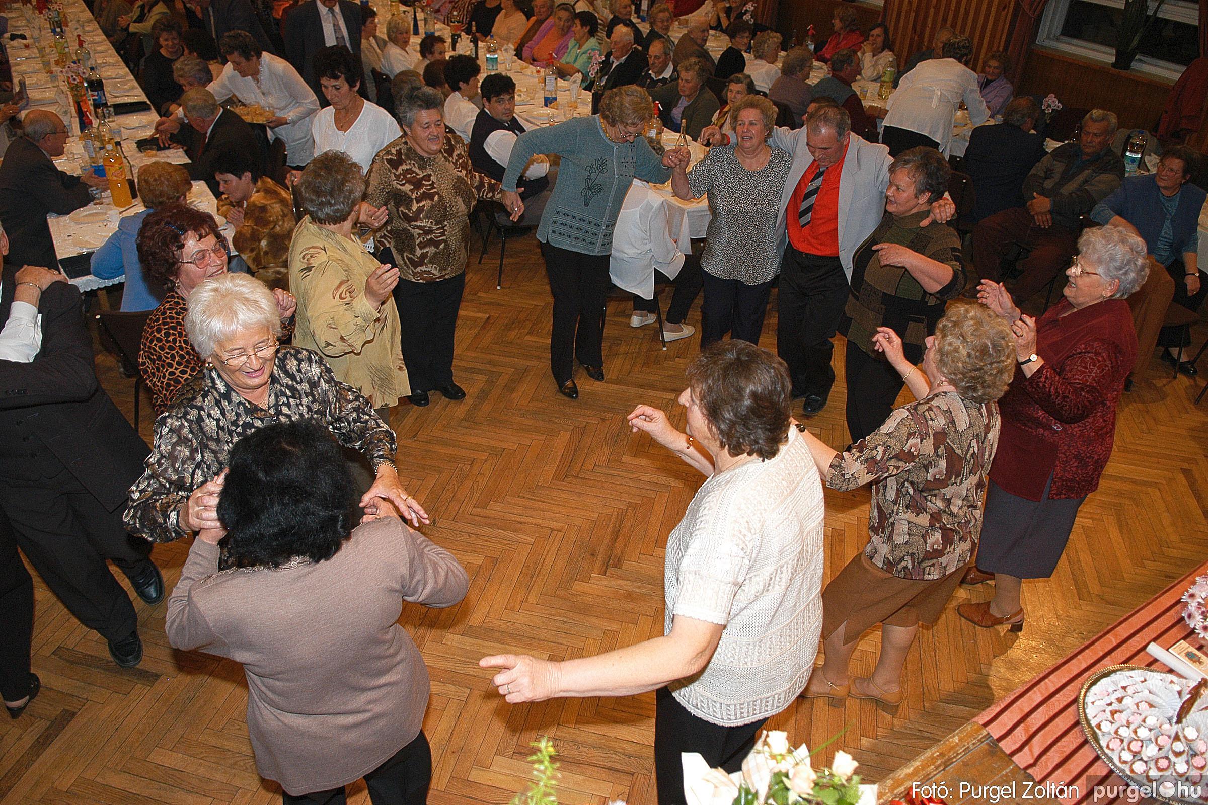 2005.11.12. 106 15 éves a Szép Öregkor Nyugdíjas Klub - Fotó:PURGEL ZOLTÁN© DSC_0483q.jpg