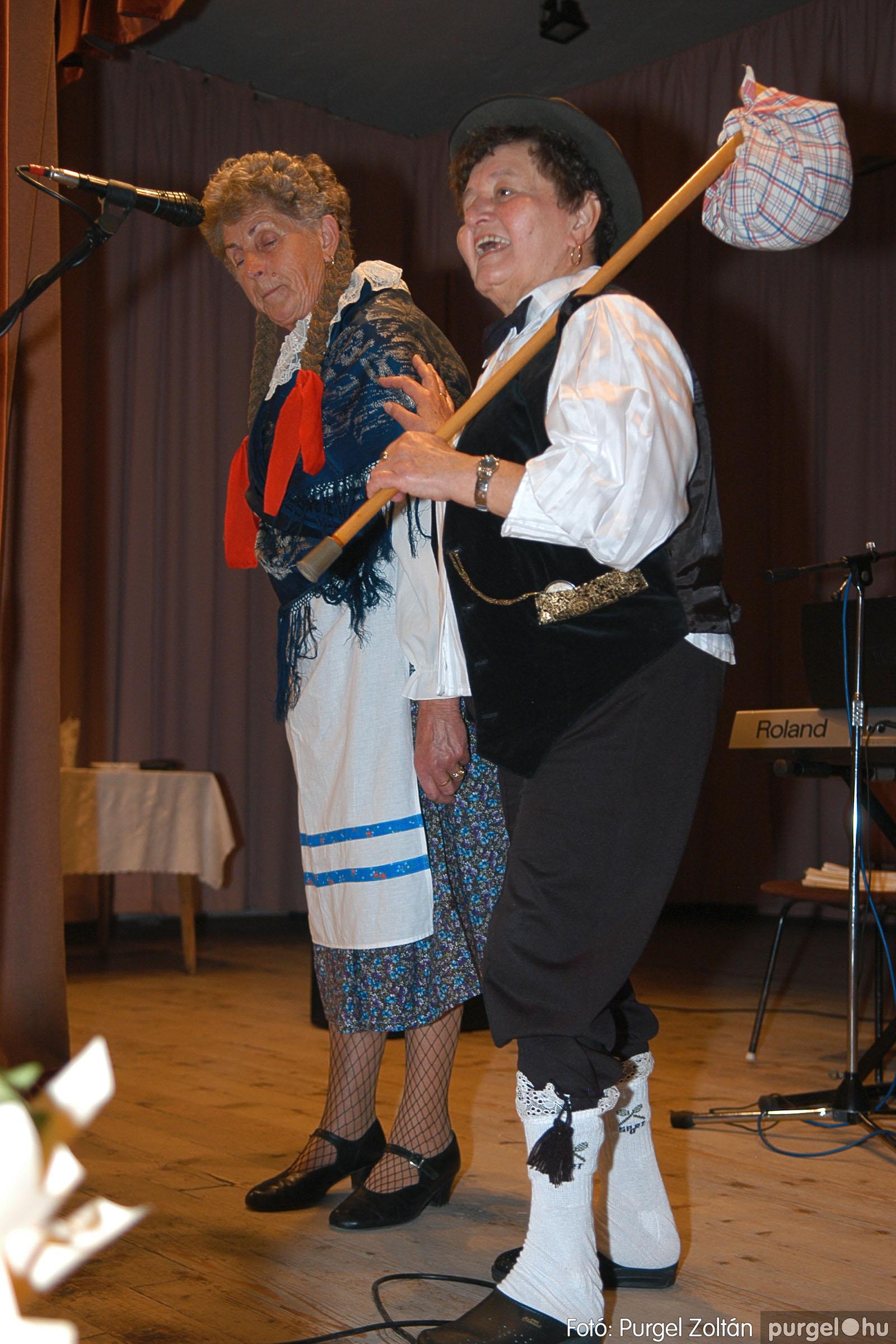 2005.11.12. 078 15 éves a Szép Öregkor Nyugdíjas Klub - Fotó:PURGEL ZOLTÁN© DSC_0449q.jpg
