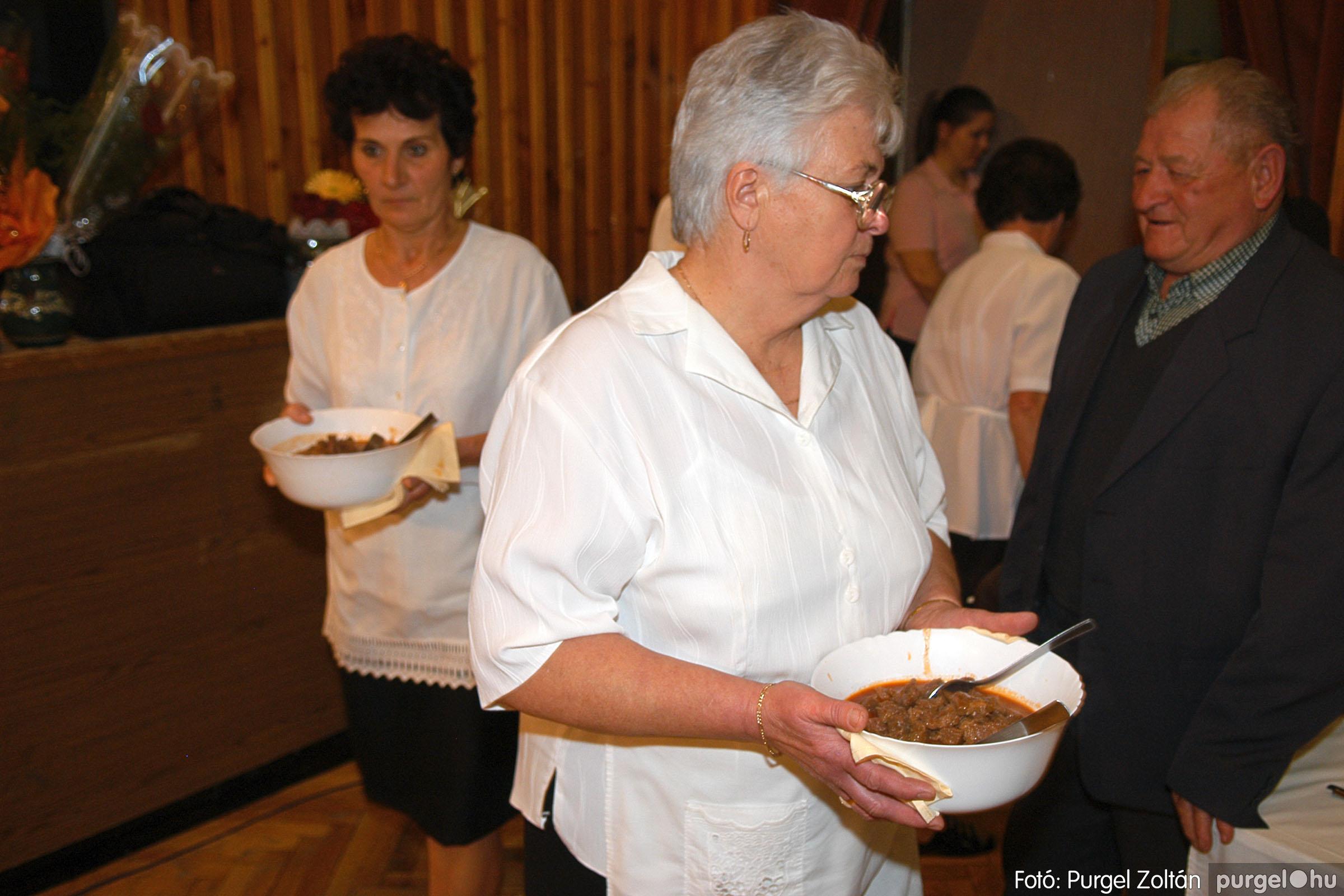 2005.11.12. 113 15 éves a Szép Öregkor Nyugdíjas Klub - Fotó:PURGEL ZOLTÁN© DSC_0493q.jpg