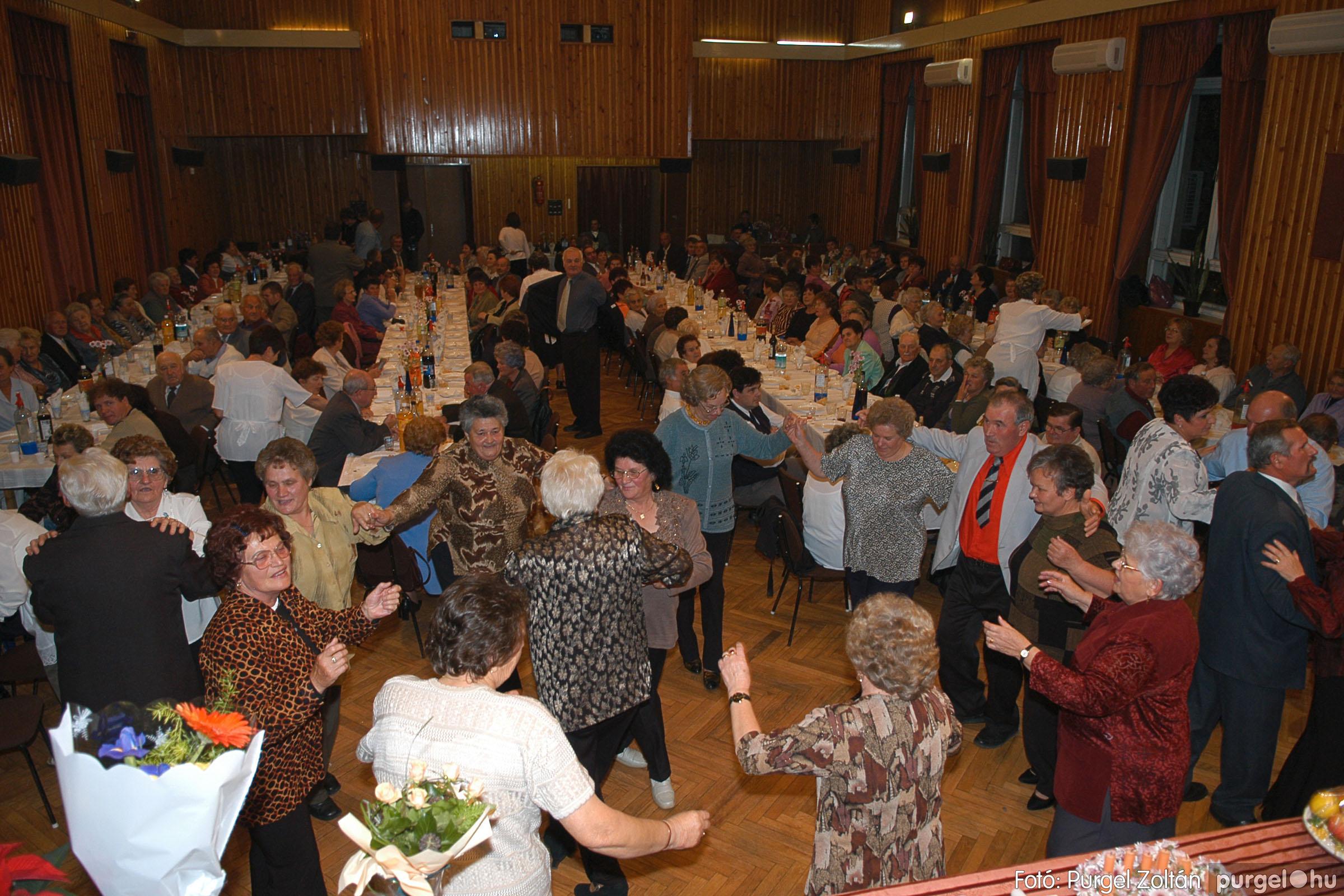 2005.11.12. 108 15 éves a Szép Öregkor Nyugdíjas Klub - Fotó:PURGEL ZOLTÁN© DSC_0485q.jpg