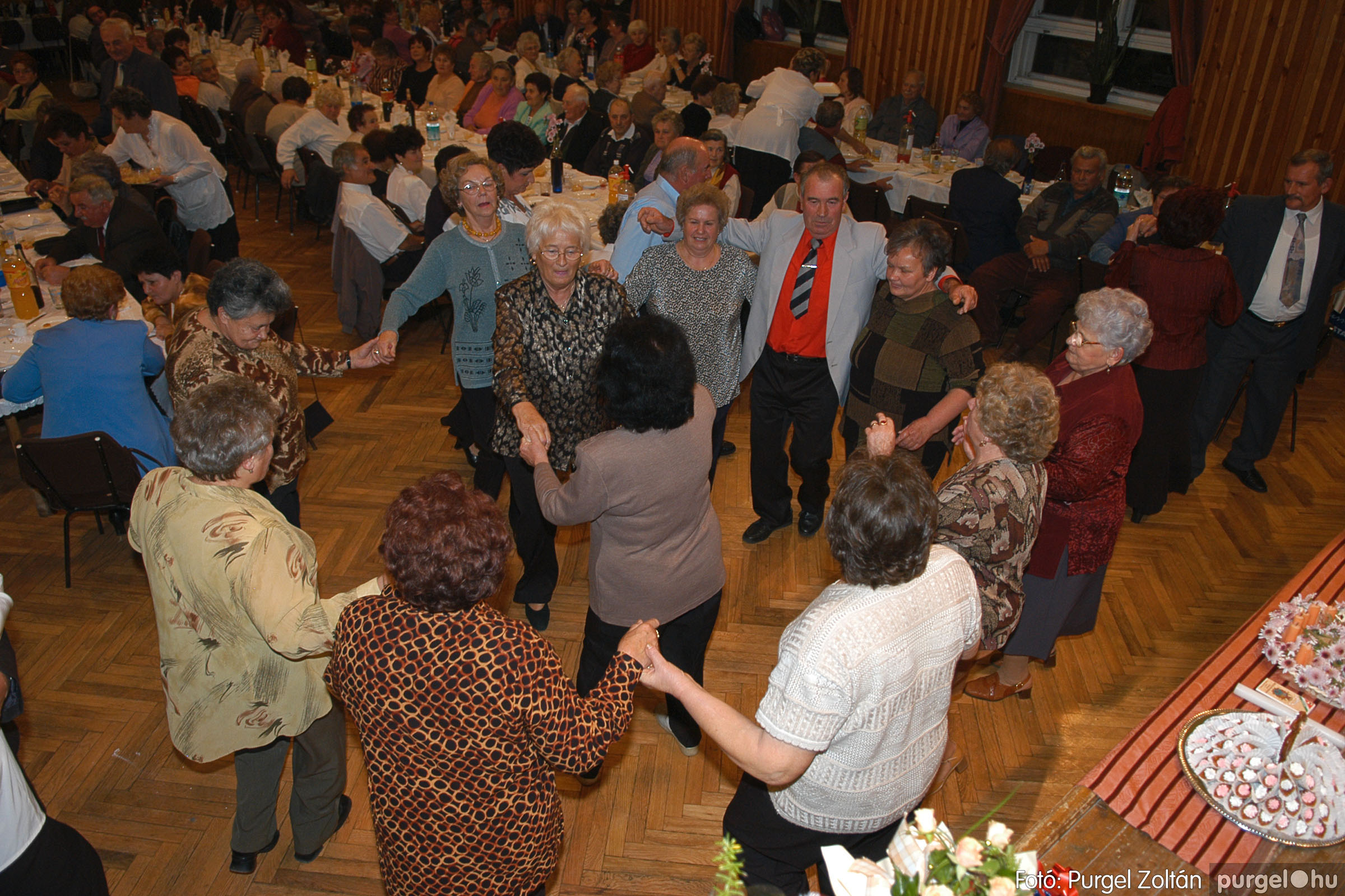 2005.11.12. 107 15 éves a Szép Öregkor Nyugdíjas Klub - Fotó:PURGEL ZOLTÁN© DSC_0484q.jpg