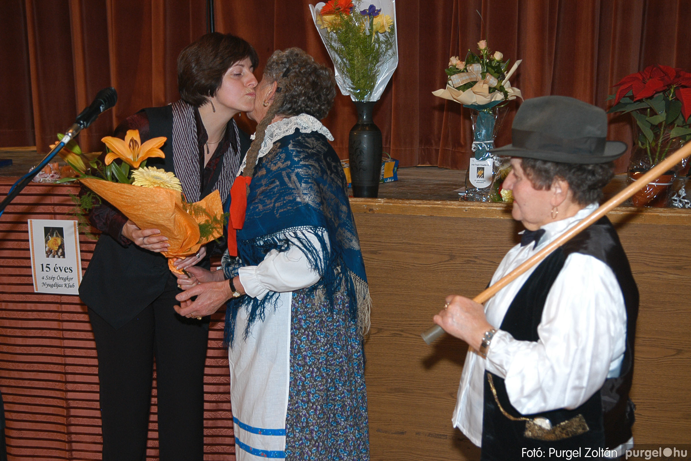 2005.11.12. 098 15 éves a Szép Öregkor Nyugdíjas Klub - Fotó:PURGEL ZOLTÁN© DSC_0473q.jpg