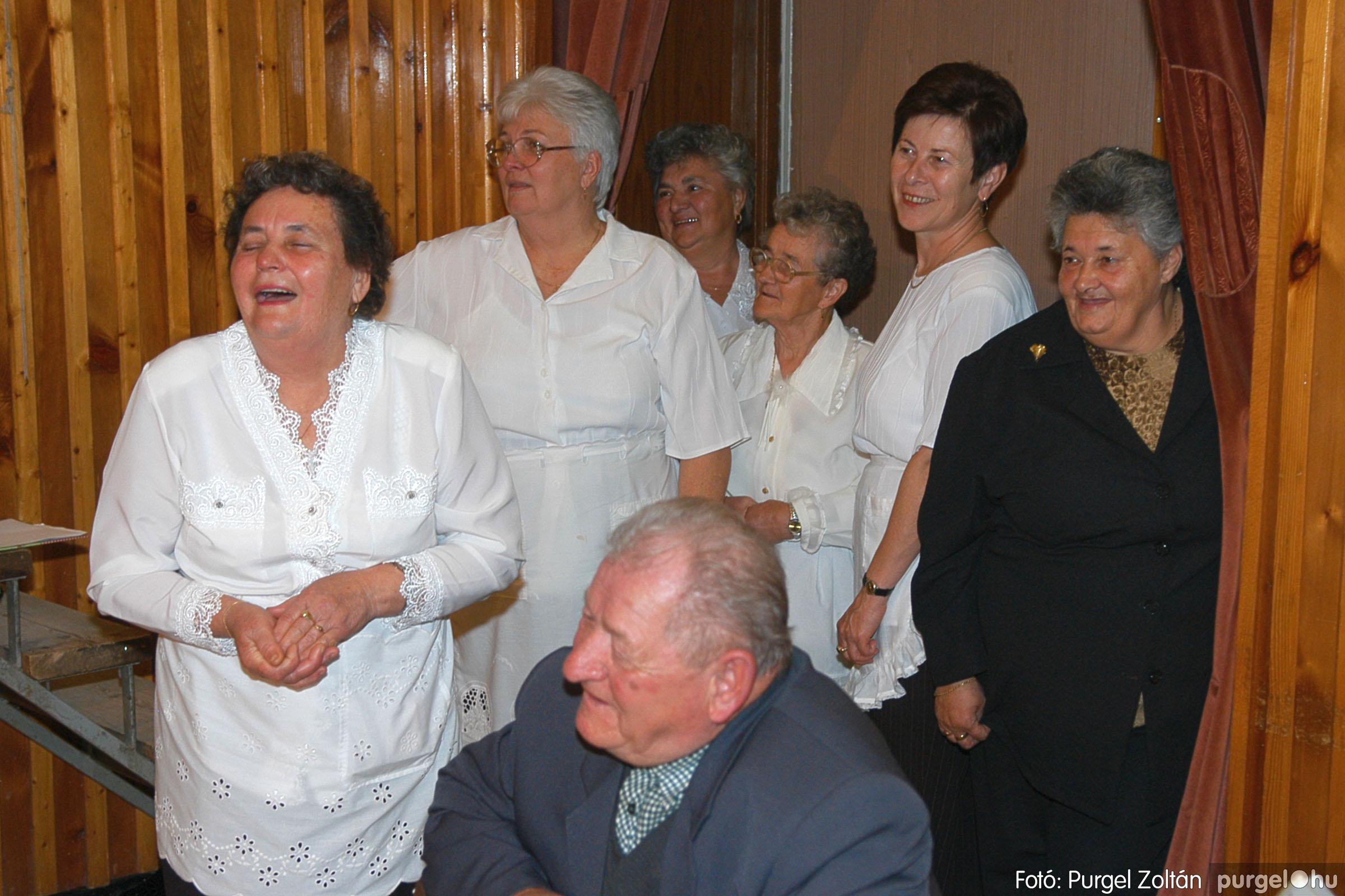 2005.11.12. 088 15 éves a Szép Öregkor Nyugdíjas Klub - Fotó:PURGEL ZOLTÁN© DSC_0460q.jpg