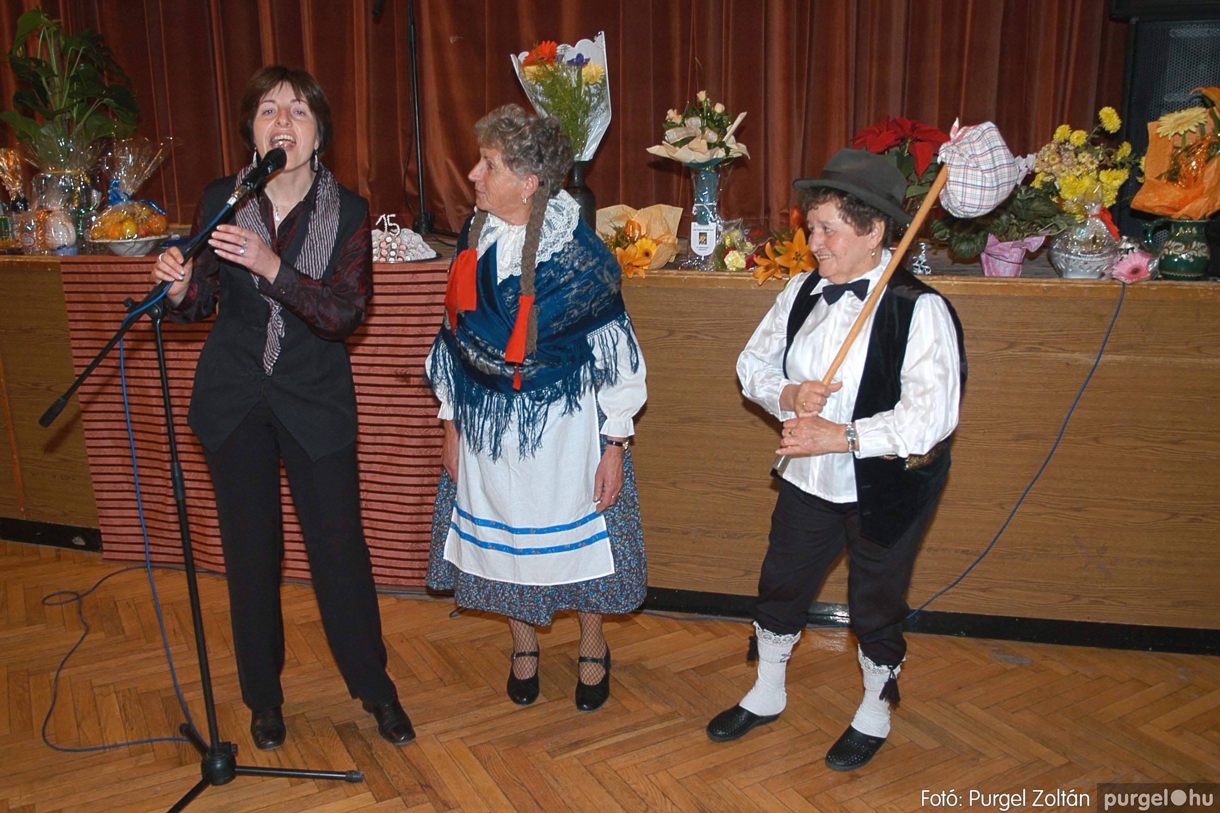 2005.11.12. 087 15 éves a Szép Öregkor Nyugdíjas Klub - Fotó:PURGEL ZOLTÁN© DSC_0459q.jpg