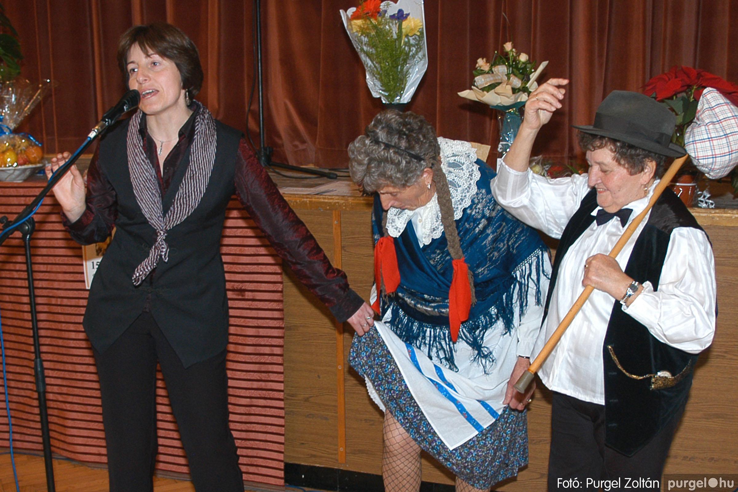 2005.11.12. 085 15 éves a Szép Öregkor Nyugdíjas Klub - Fotó:PURGEL ZOLTÁN© DSC_0456q.jpg