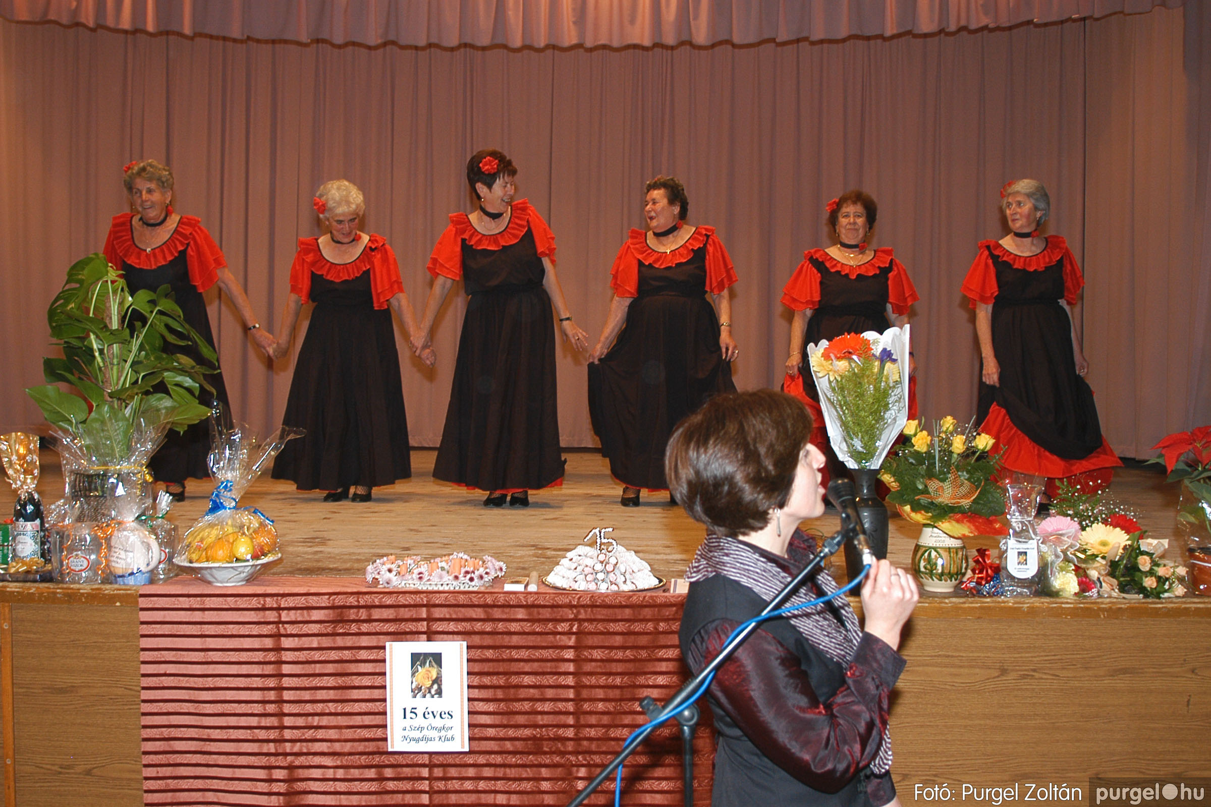 2005.11.12. 074 15 éves a Szép Öregkor Nyugdíjas Klub - Fotó:PURGEL ZOLTÁN© DSC_0442q.jpg