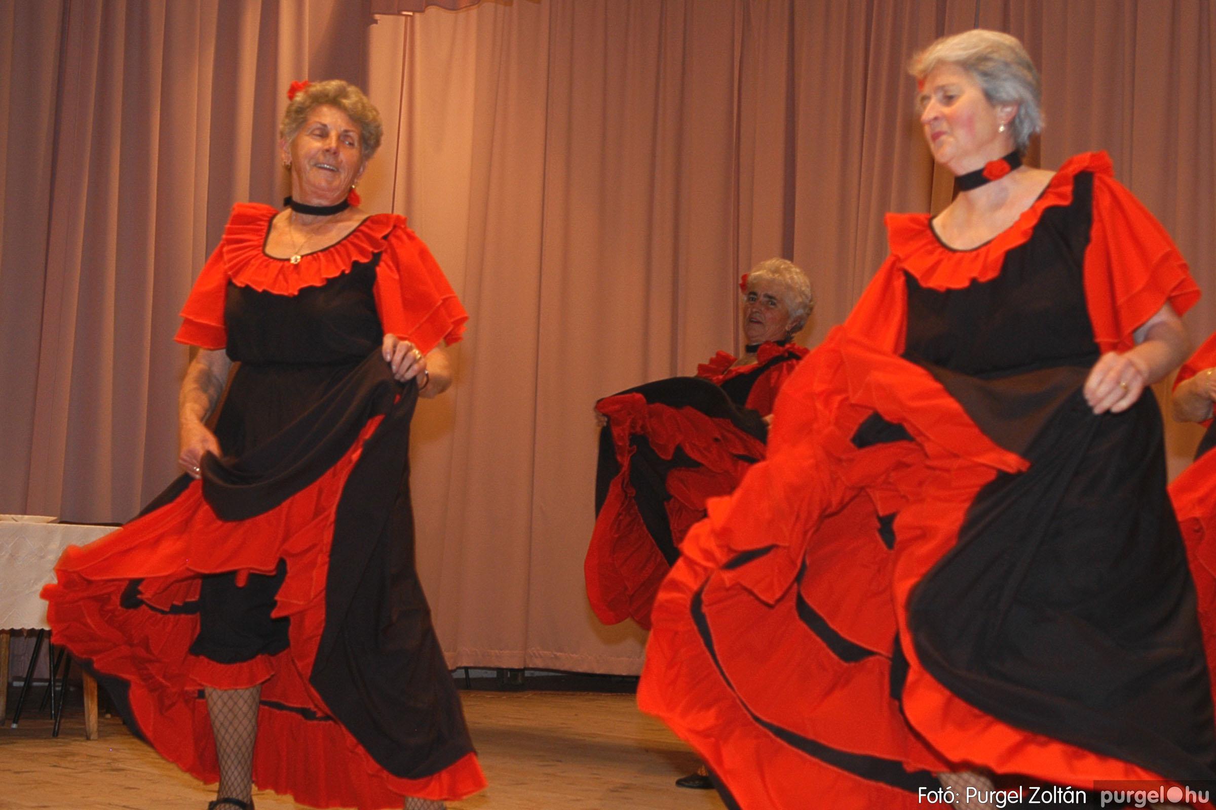 2005.11.12. 062 15 éves a Szép Öregkor Nyugdíjas Klub - Fotó:PURGEL ZOLTÁN© DSC_0429q.jpg