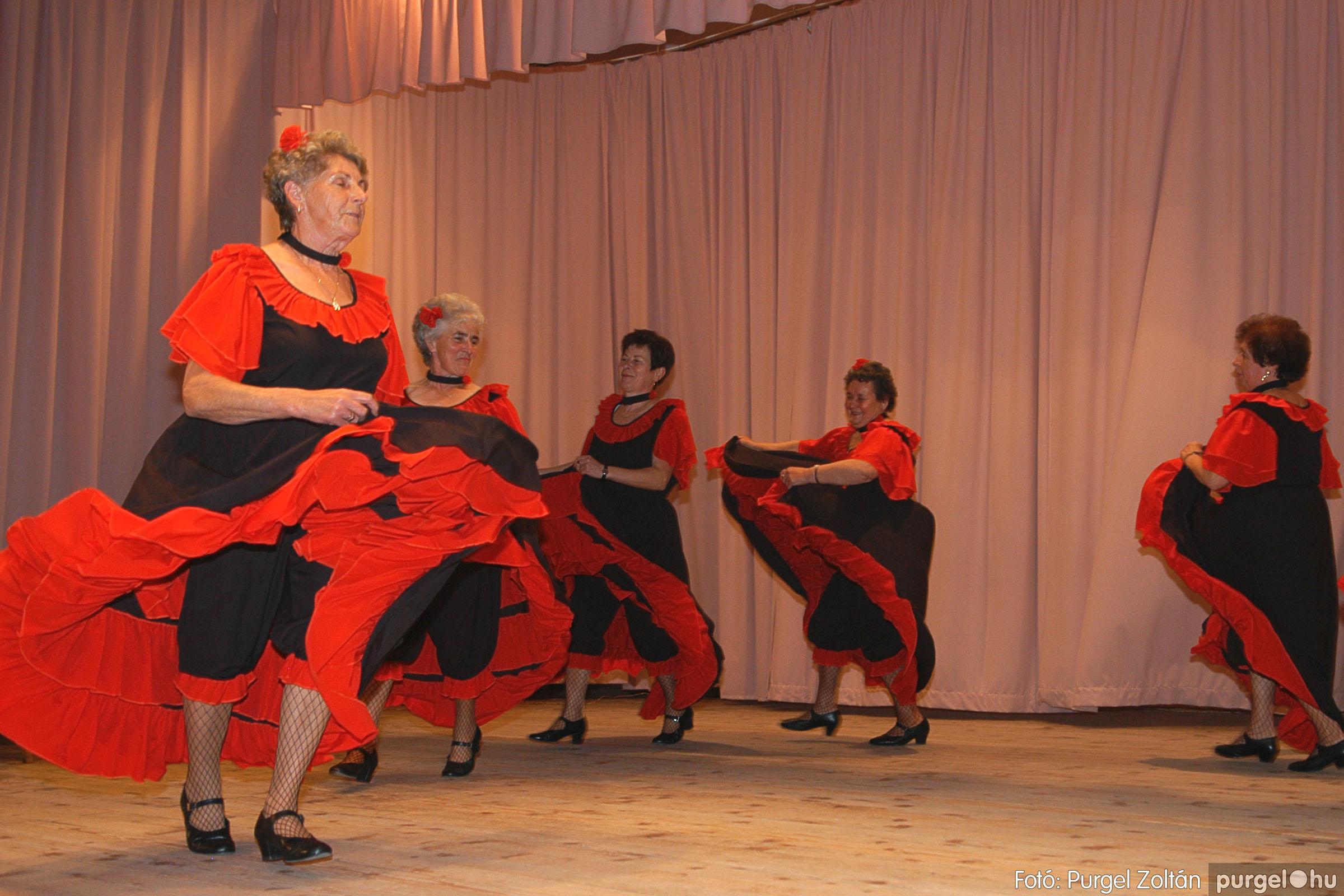 2005.11.12. 059 15 éves a Szép Öregkor Nyugdíjas Klub - Fotó:PURGEL ZOLTÁN© DSC_0425q.jpg