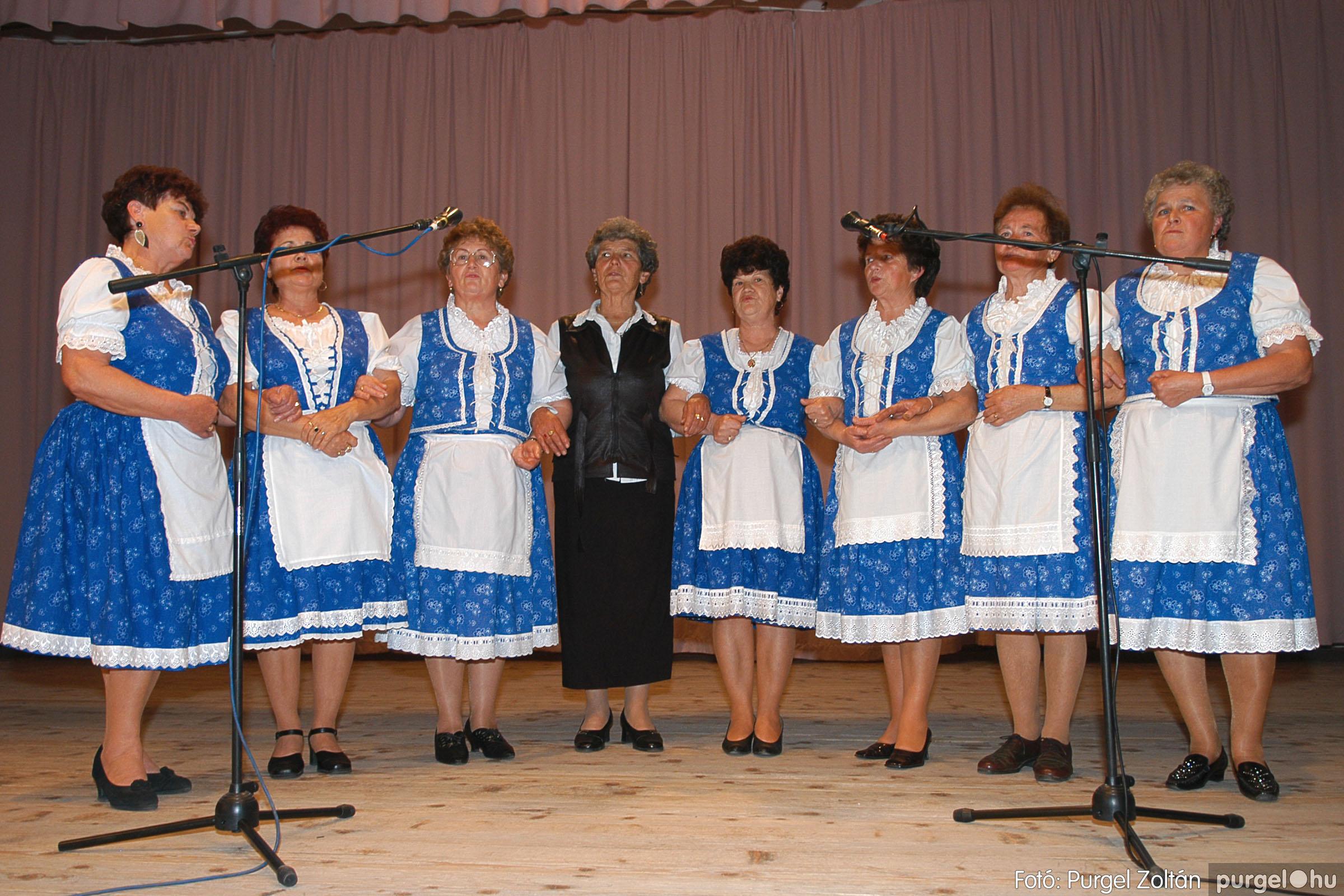 2005.11.12. 045 15 éves a Szép Öregkor Nyugdíjas Klub - Fotó:PURGEL ZOLTÁN© DSC_0409q.jpg