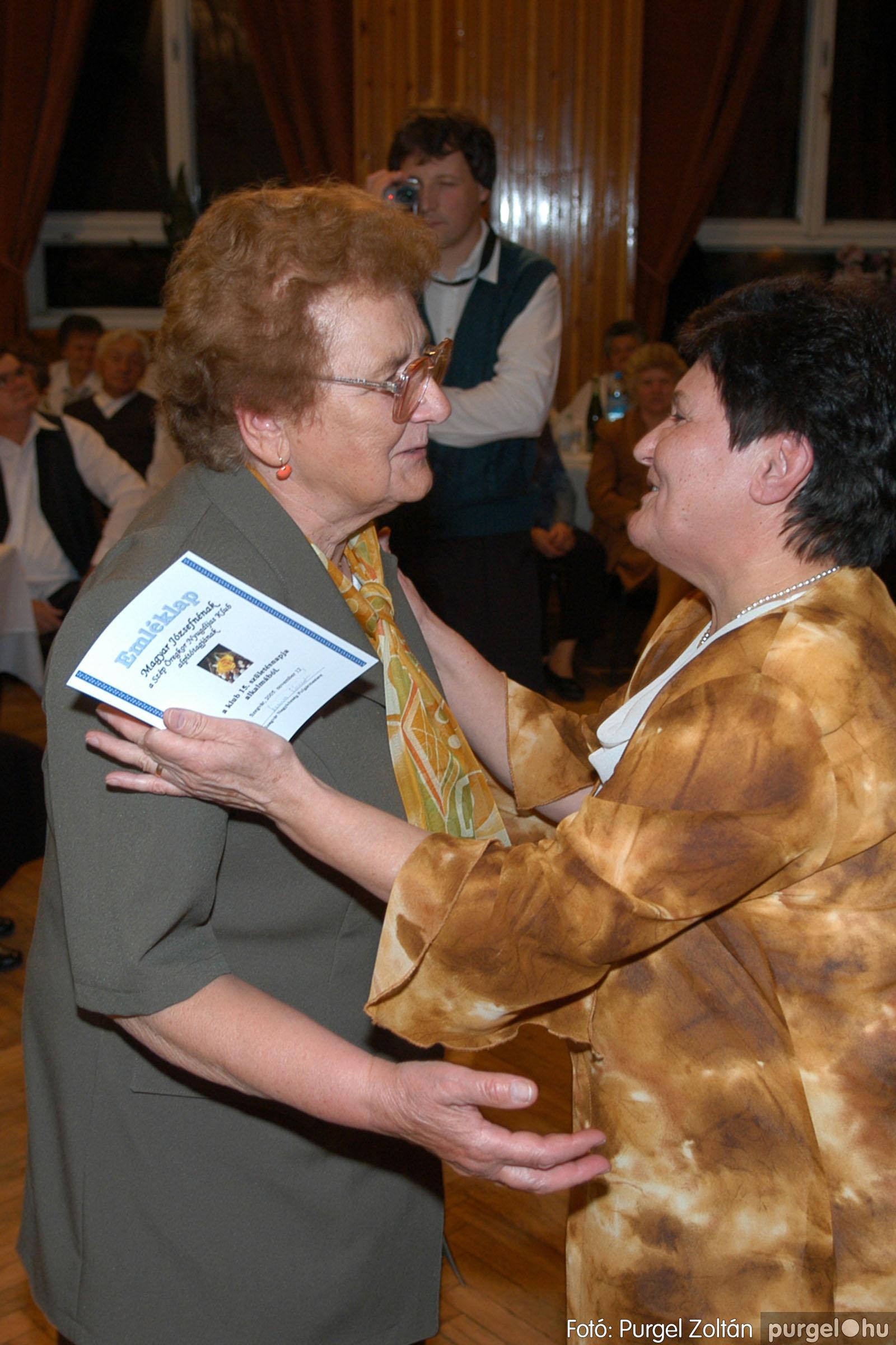 2005.11.12. 012 15 éves a Szép Öregkor Nyugdíjas Klub - Fotó:PURGEL ZOLTÁN© DSC_0370q.jpg