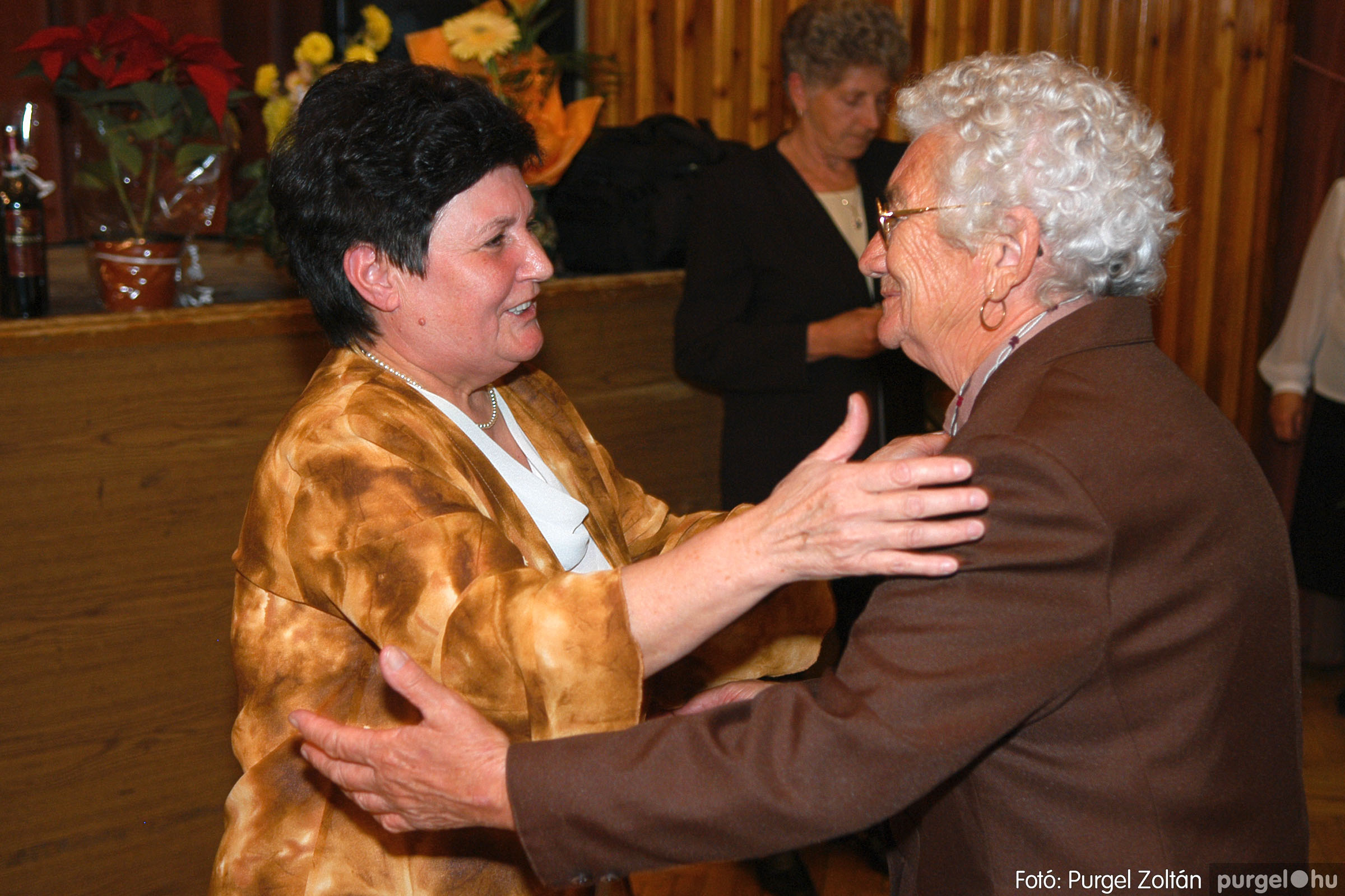 2005.11.12. 010 15 éves a Szép Öregkor Nyugdíjas Klub - Fotó:PURGEL ZOLTÁN© DSC_0365q.jpg