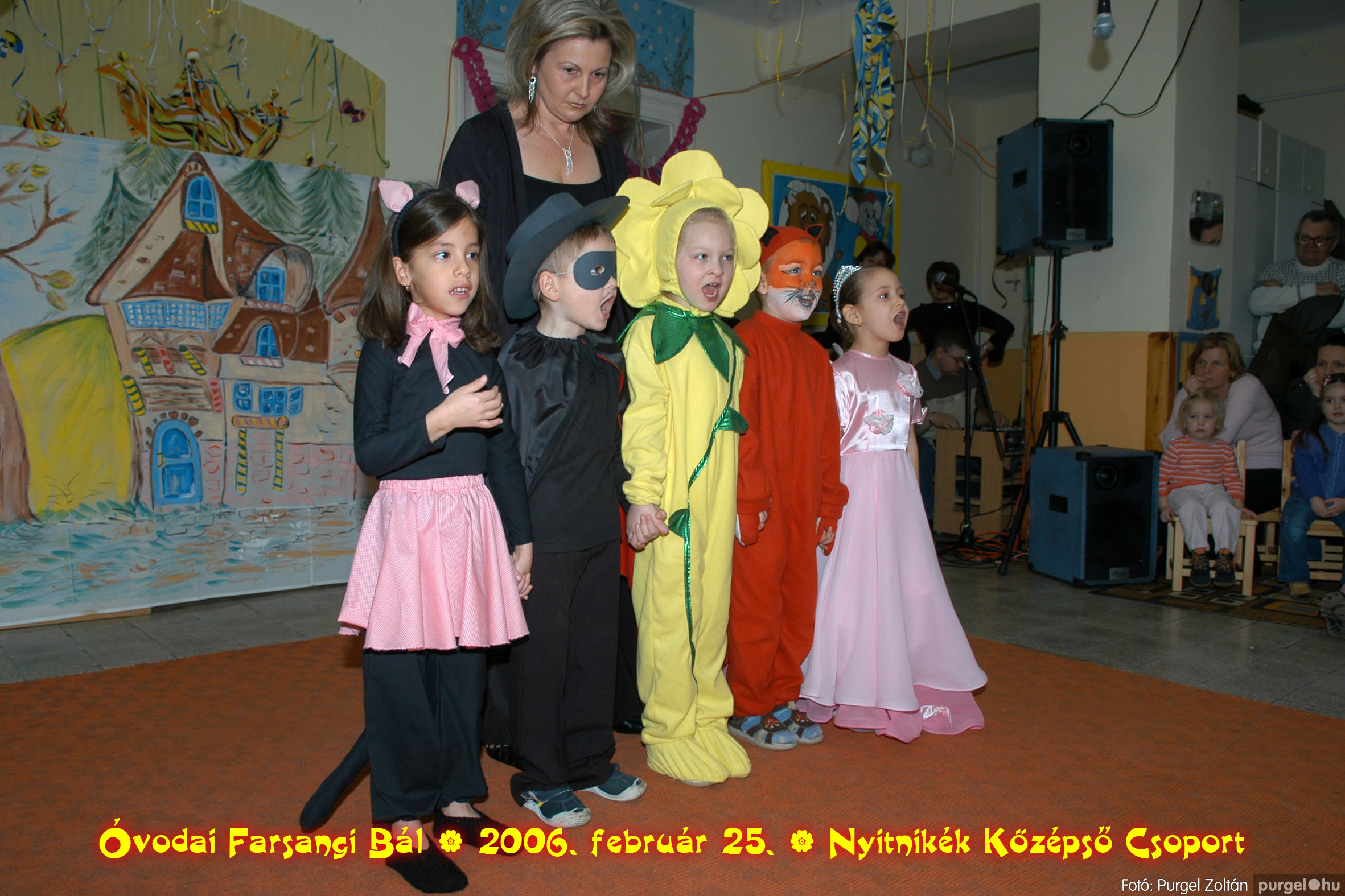 2006.02.25. 170 Kurca-parti Óvoda farsang 2006. - Nyitnikék csoport - Fotó:PURGEL ZOLTÁN©.jpg
