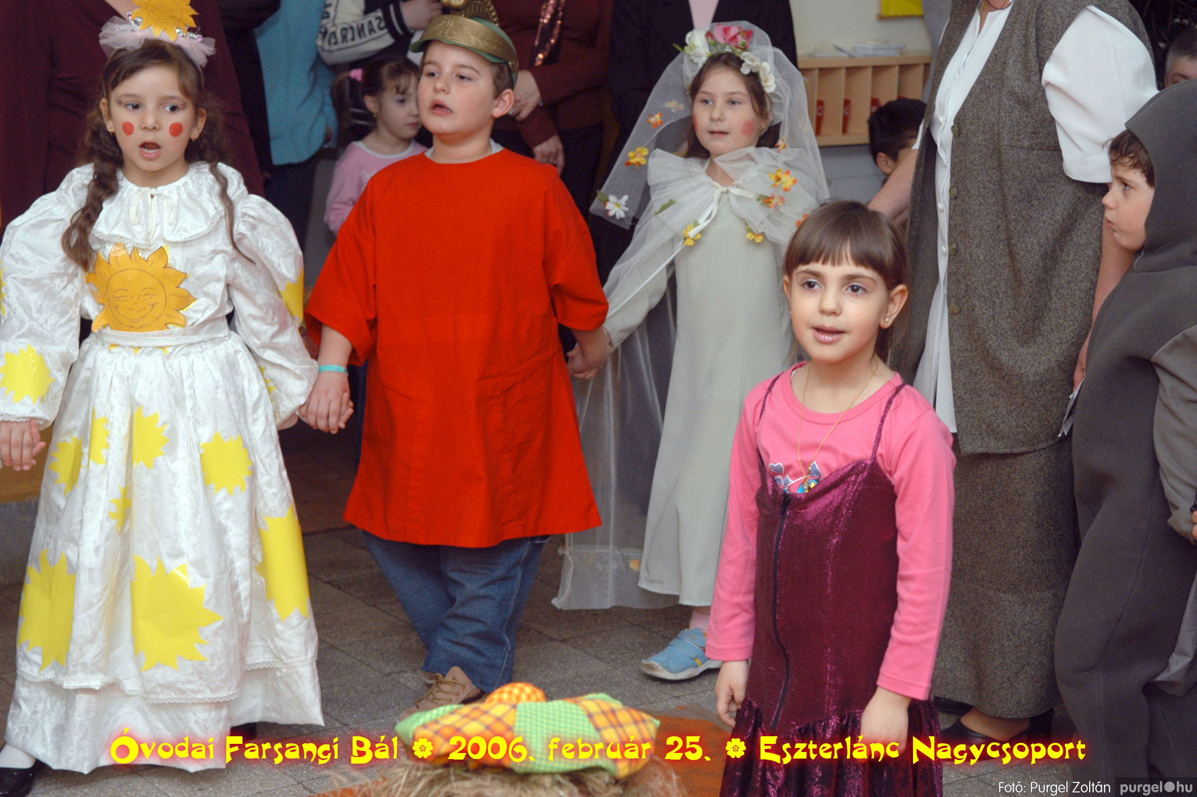 2006.02.25. 113 Kurca-parti Óvoda farsang 2006. - Eszterlánc csoport - Fotó:PURGEL ZOLTÁN©.jpg